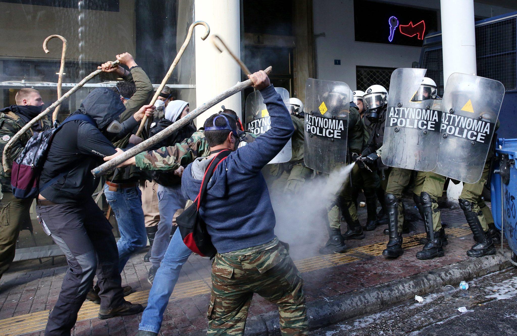 Grecja: protest rolników w Atenach (foto. PAP/EPA/ORESTIS PANAGIOTOU)