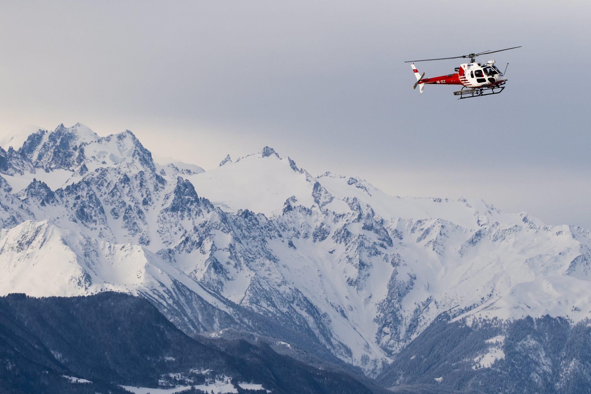 Szwajcaria: akcja ratunkowa w szwajcarskich Alapach (foto. PAP/EPA/JEAN-CHRISTOPHE BOTT)