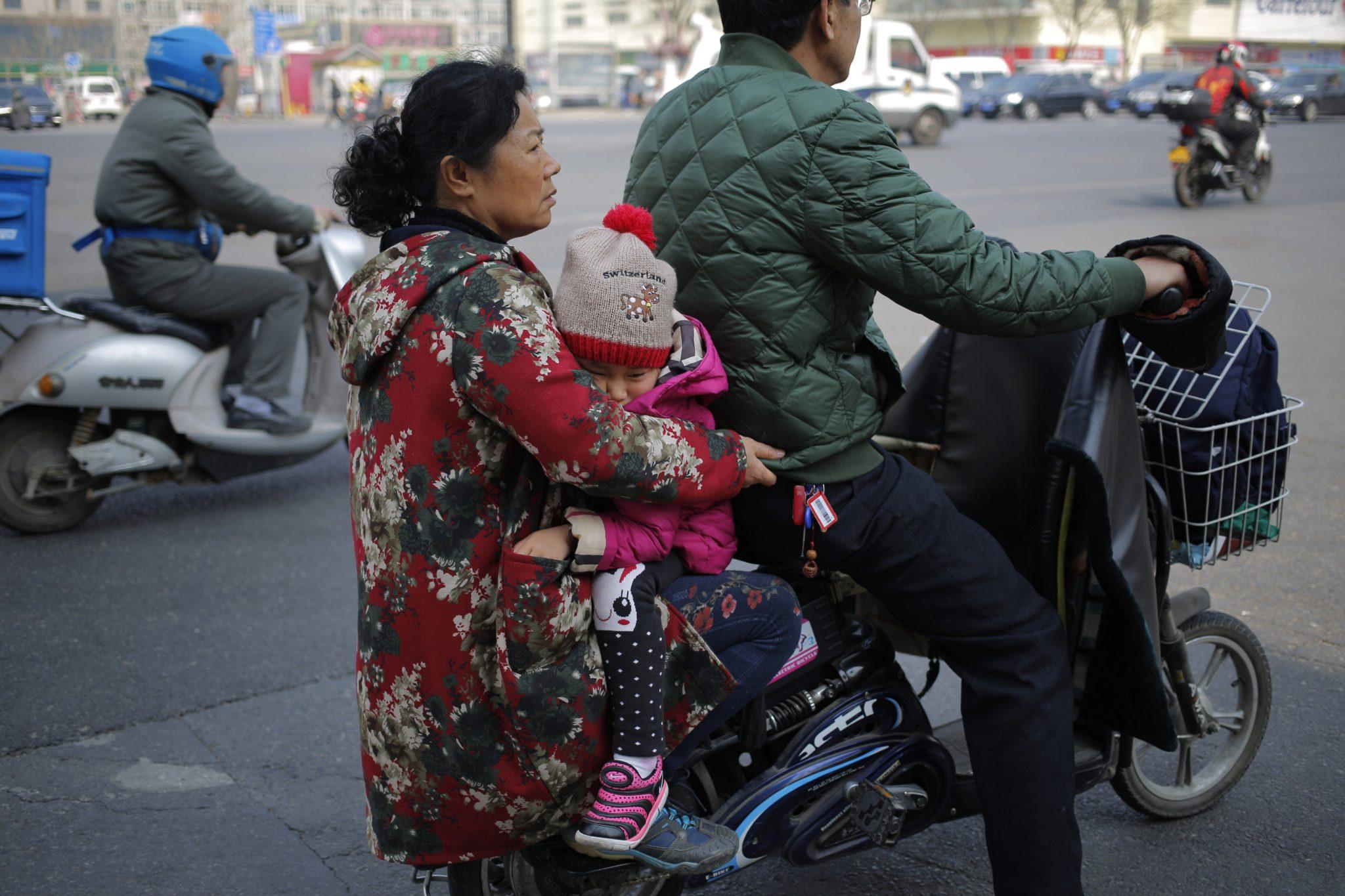 Chiny: codzienne życie w Pekinie (foto. PAP/EPA/WU HONG)