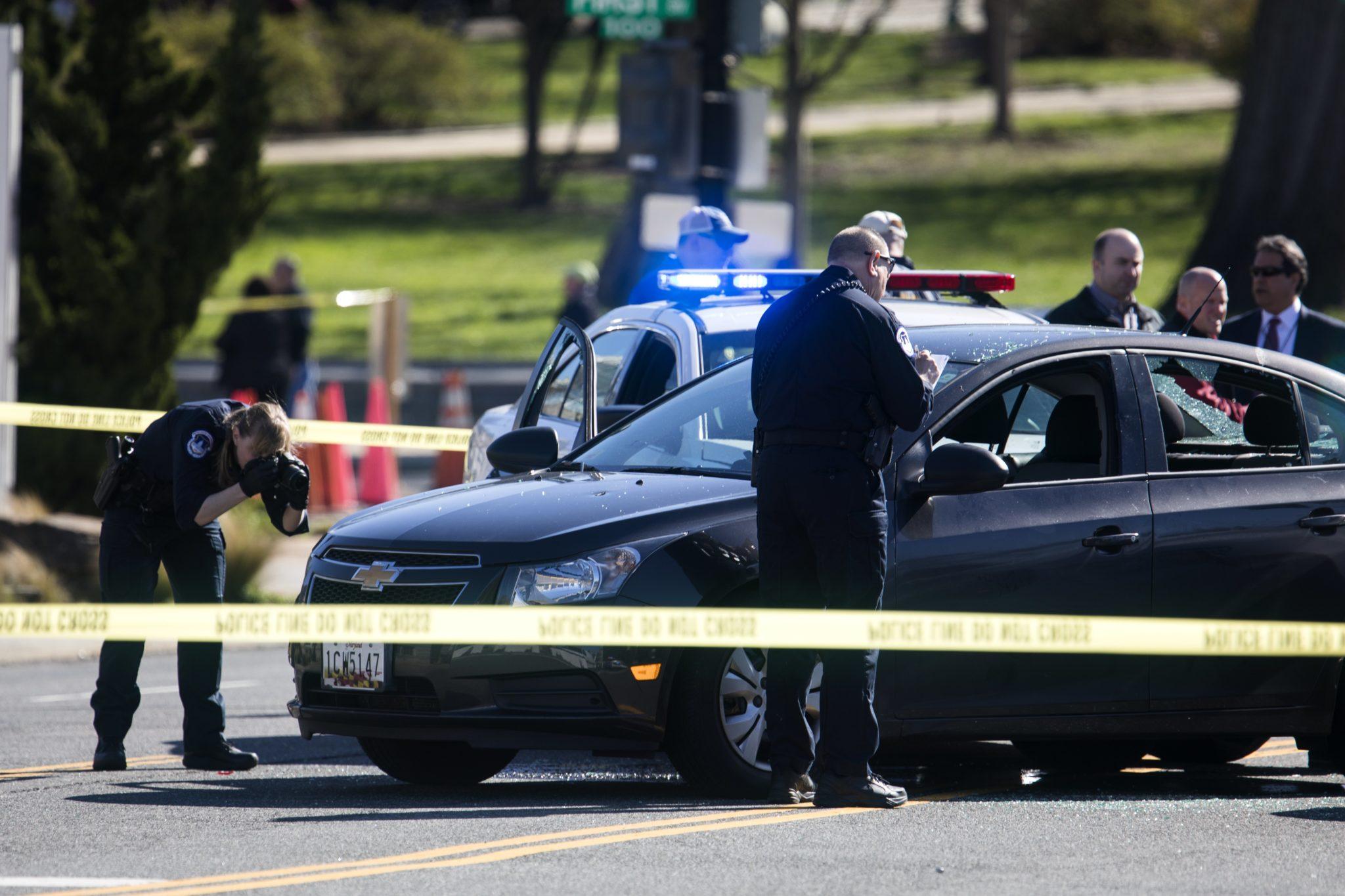 USA: strzelanina w okolicach Kapitolu w Waszyngtonie (foto. PAP/EPA/MICHAEL REYNOLDS)