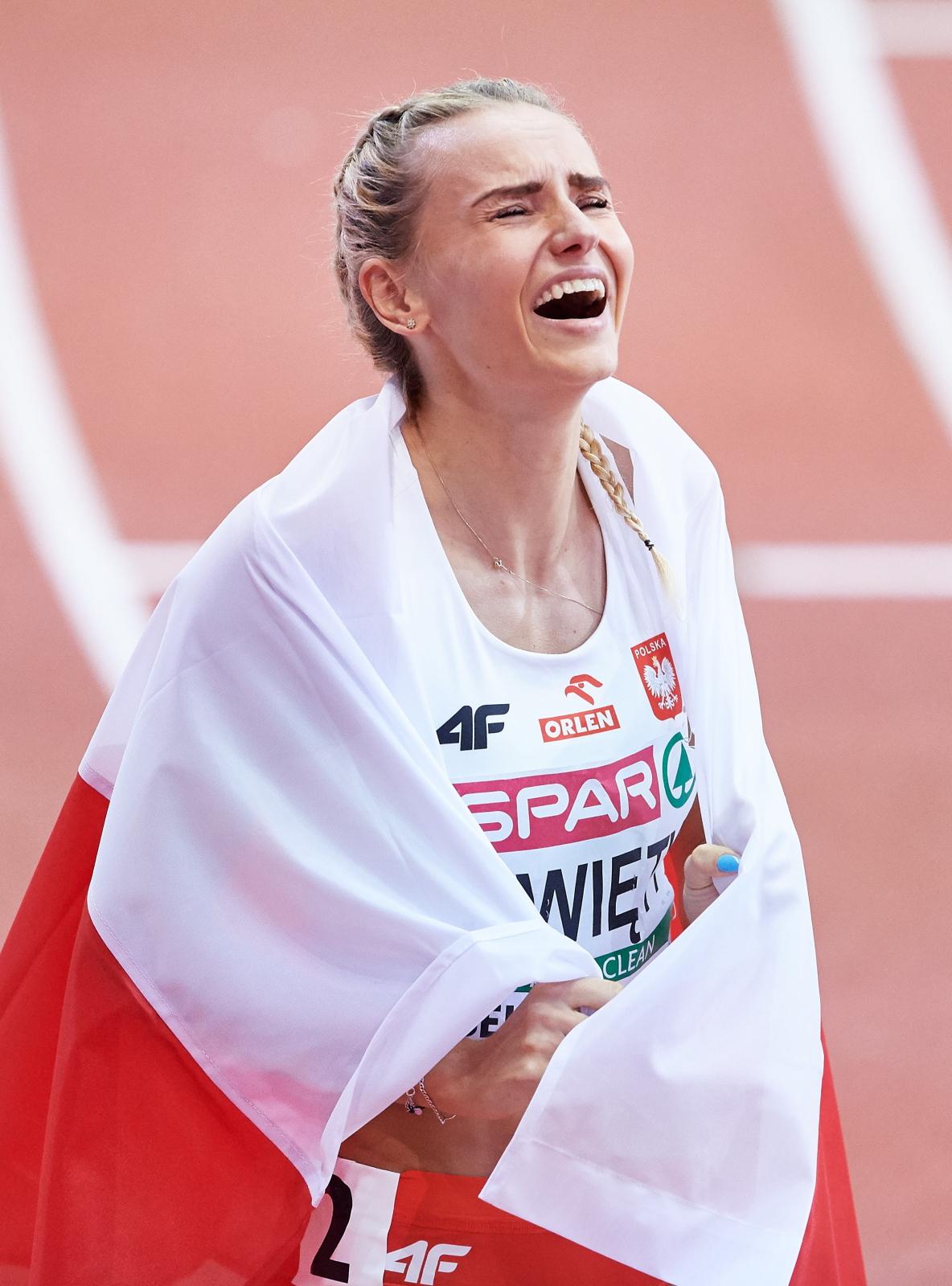 Polka Justyna Święty zdobyła brązowy medal w biegu na 400 metrów podczas halowych Mistrzostw Europy w lekkiej atletyce w Belgradzie, Serbia.