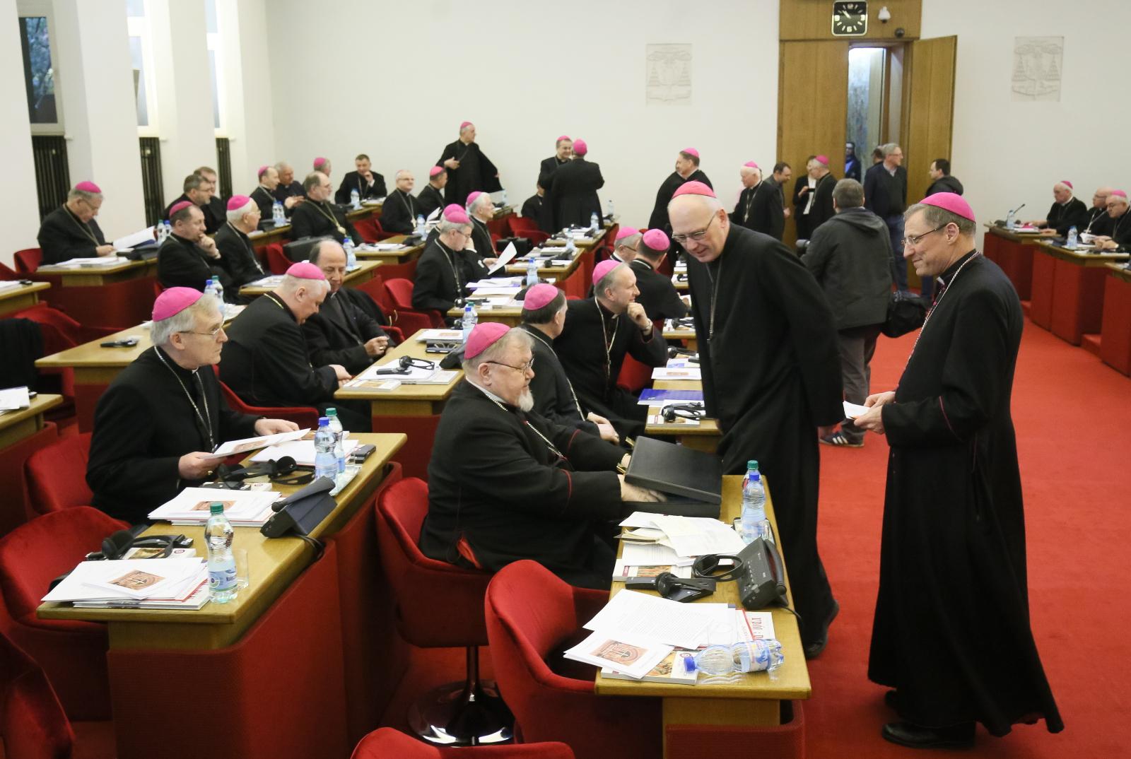 Obrady 375. zebrania plenarnego KEP. Fot. PAP/Paweł Supernak