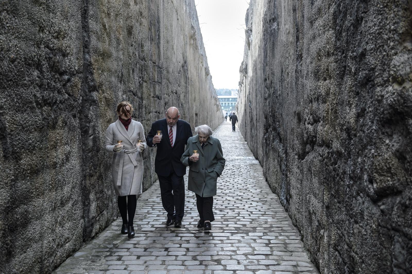 Uroczystości upamiętniające 75. rocznicę pierwszych masowych deportacji Żydów do niemieckiego obozu zagłady w Bełżcu. Fot. PAP/Wojciech Pacewicz