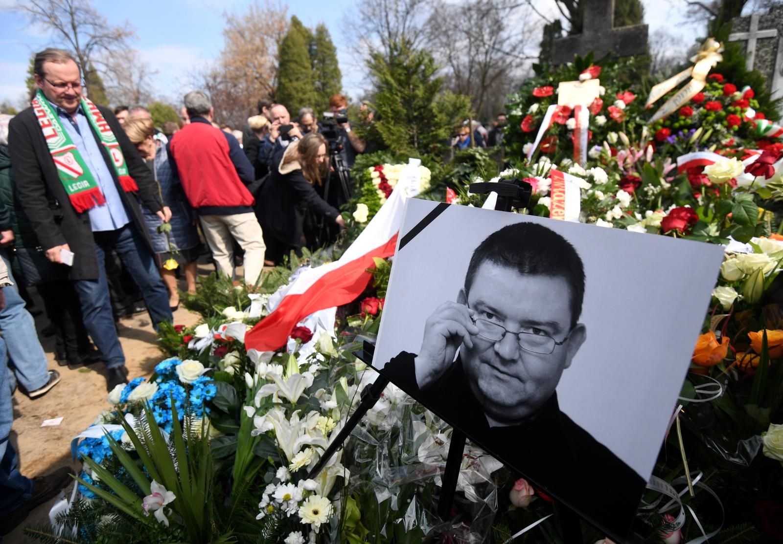 Uroczystości pogrzebowe dziennikarza sportowego Pawła Zarzecznego. Fot. PAP/Bartłomiej Zborowski