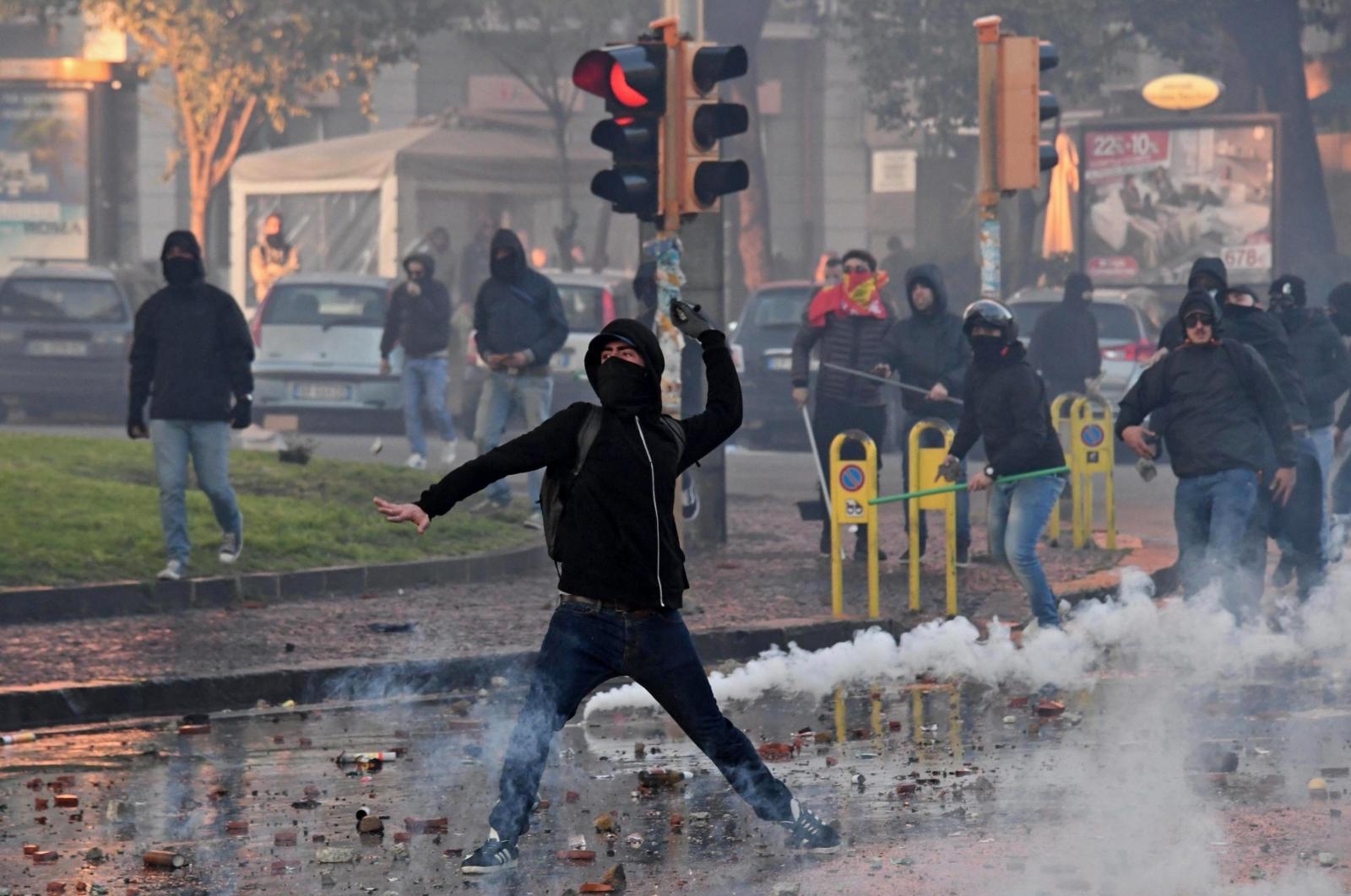 Protesty przeciwko faszyzmowi, Neapol, Włochy.