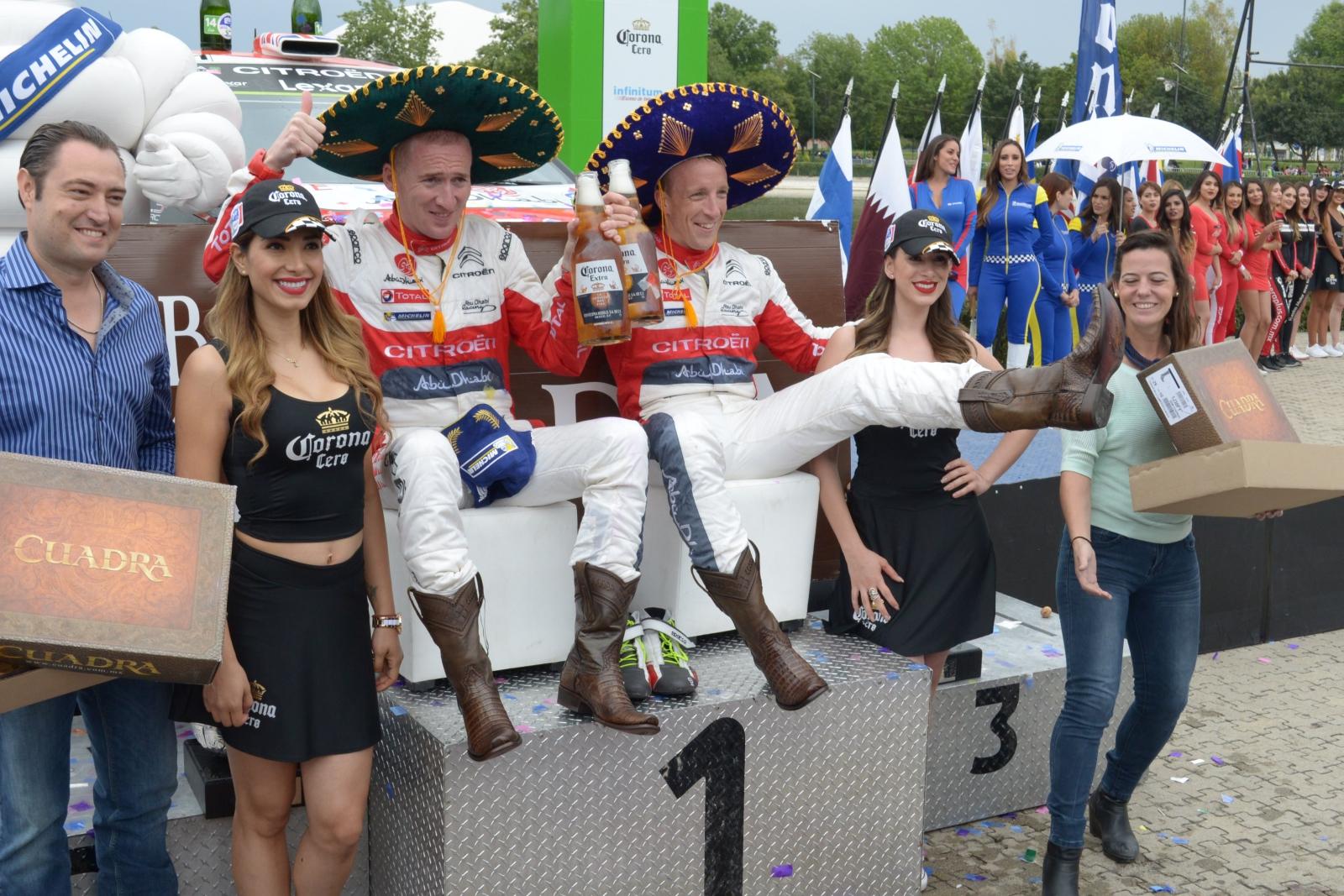 WRC Rally Mexico 2017 i jego zwycięzcy, brytyjski kierowca Kris Meeke i współkierowca, Irlandczyk Paul Nagle. Fot. PAP/EPA/STR