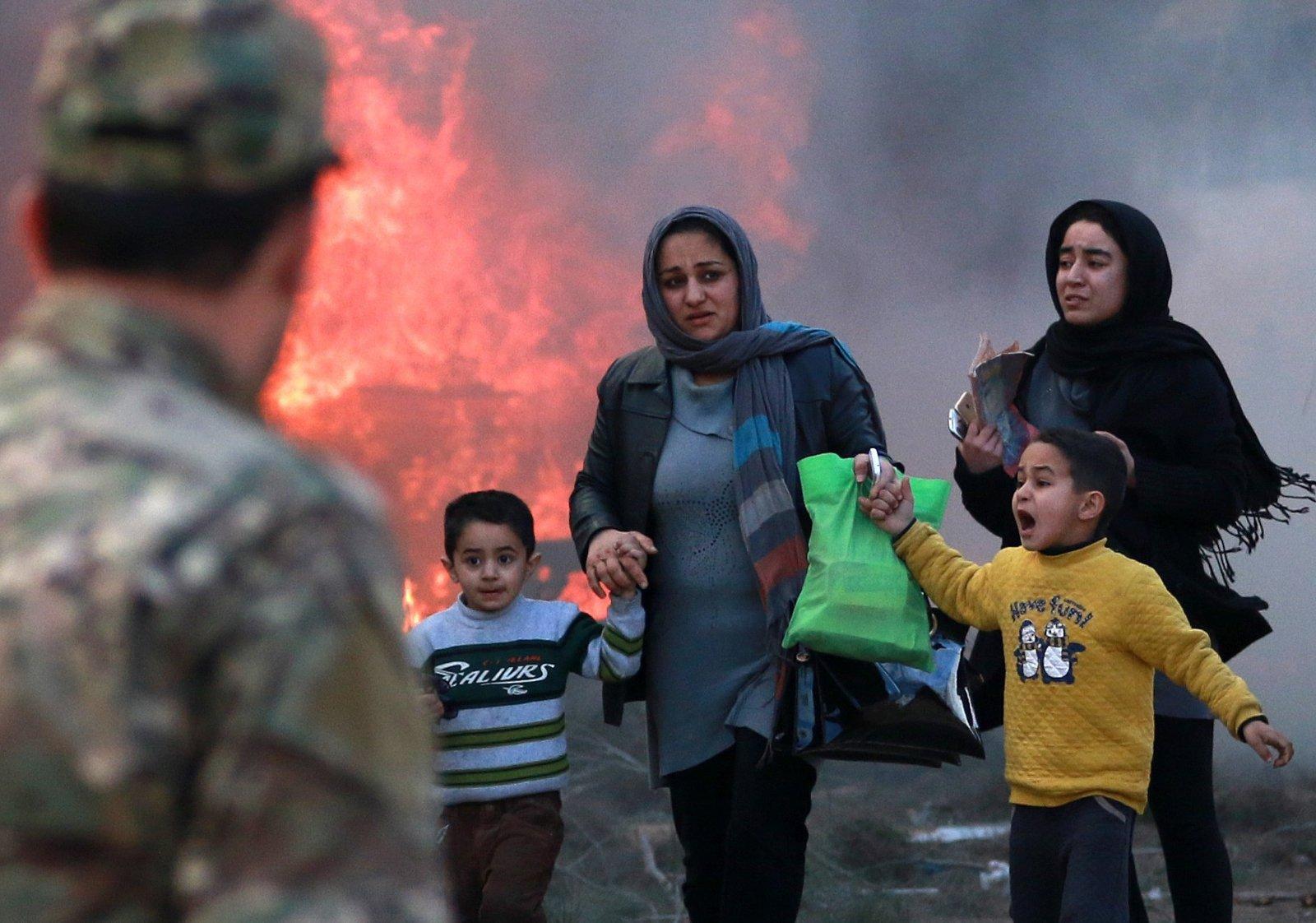 Samobójczy wybuch bomby w Afganistanie. Fot. PAP/EPA/HEDAYATULLAH AMID