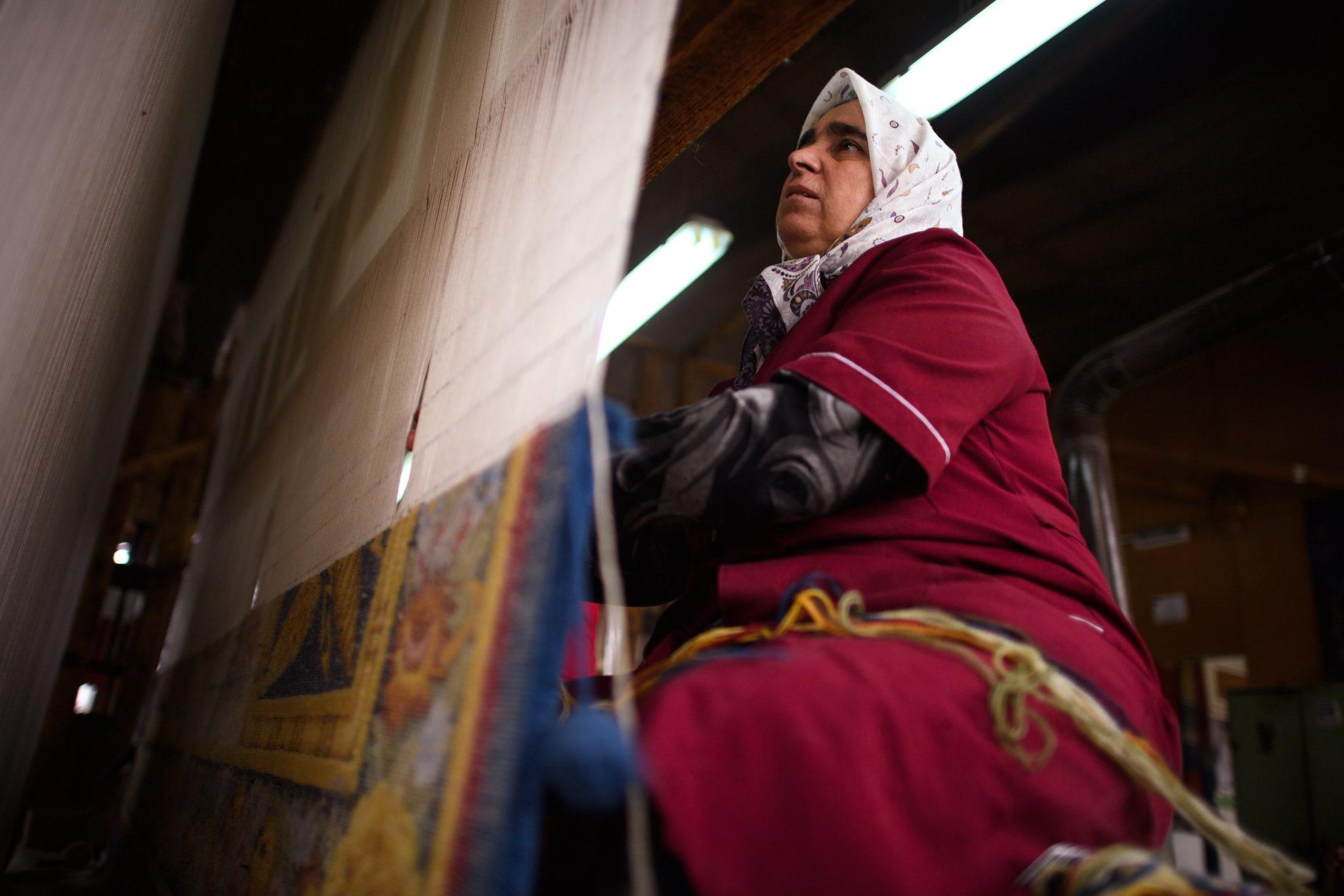 Bułgaria: manufaktura tkacka w Konstadovo (foto. PAP/EPA/VASSIL DONEV)