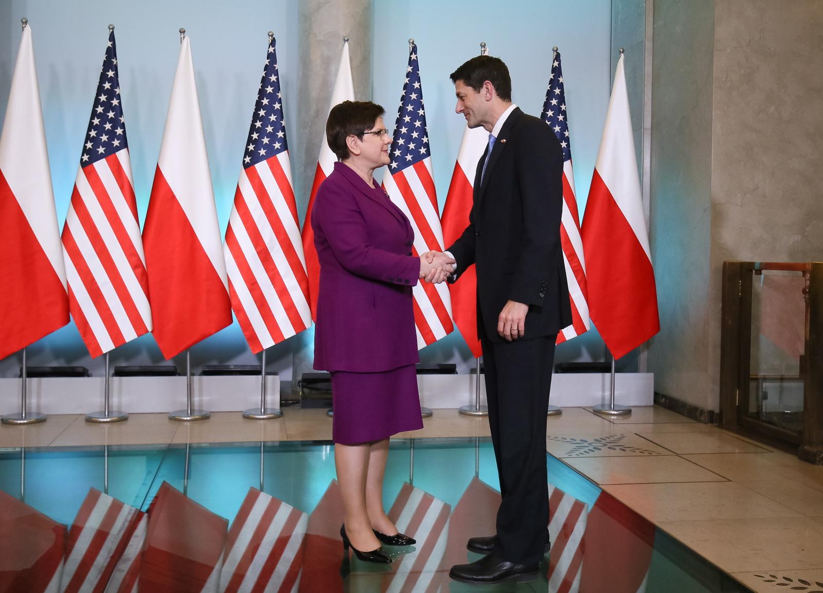 Premier Beata Szydło i przewodniczący Izby Reprezentantów USA Paul Ryan podczas spotkania w KPRM. Fot. PAP/Paweł Supernak