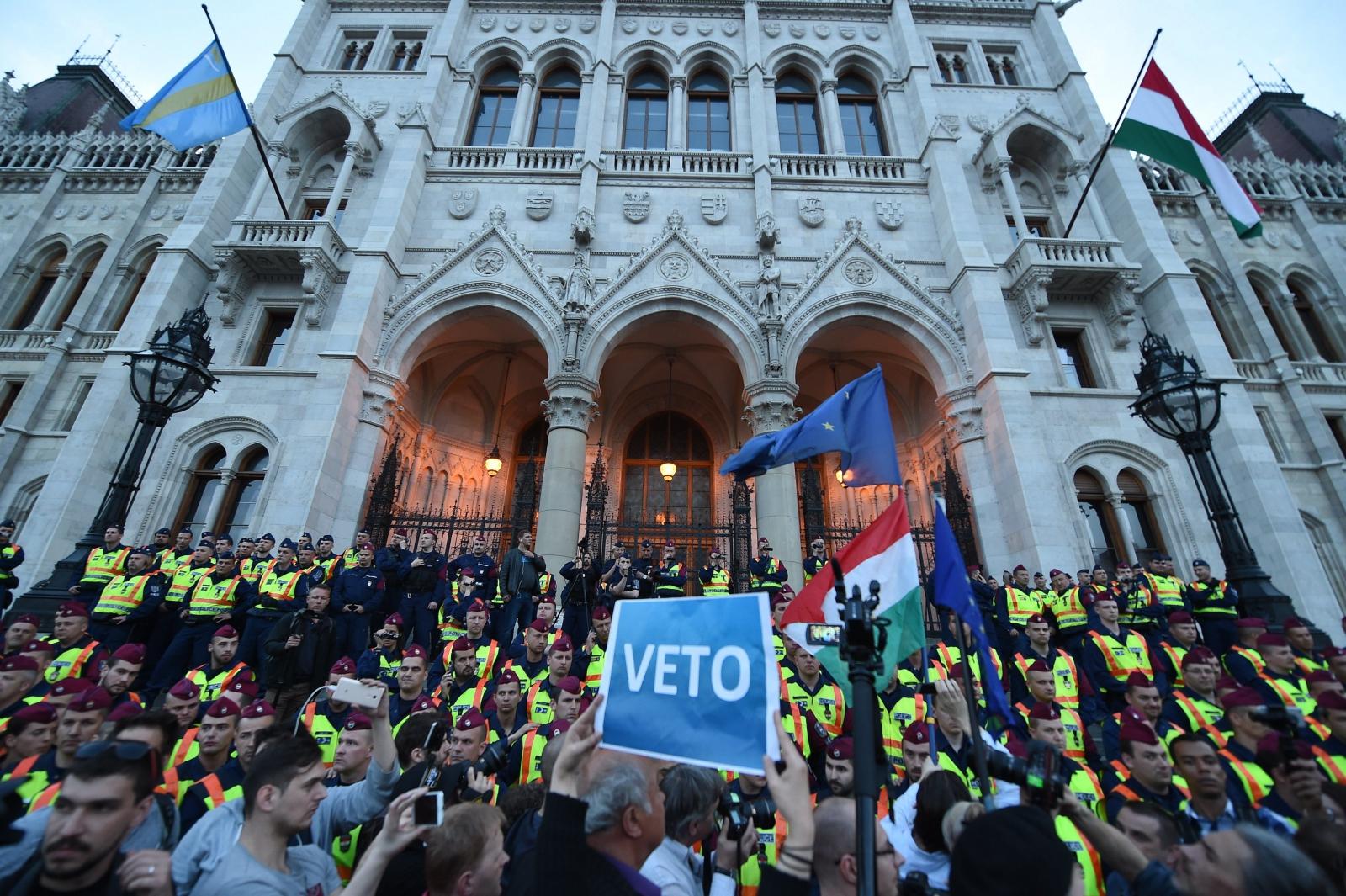 Węgrzy protestują przeciwko reformie edukacji, Budapeszt, Węgry.