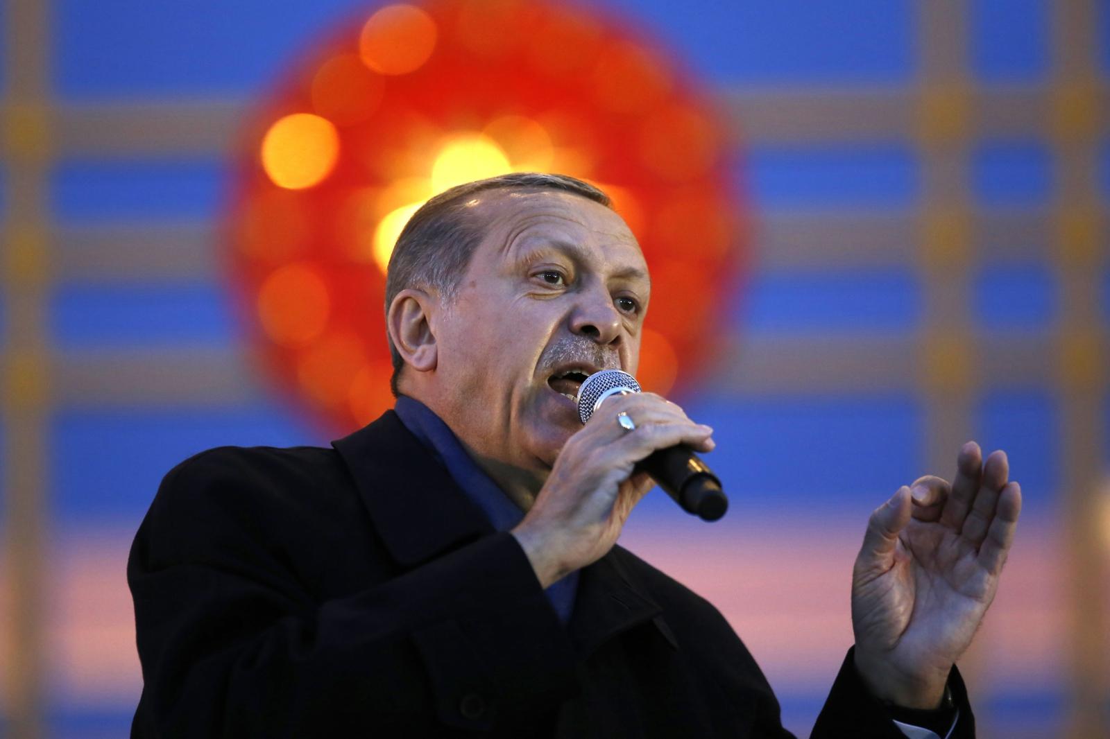 Prezydent Turcji Recep Erdogan przemawia po wygraniu referendum.