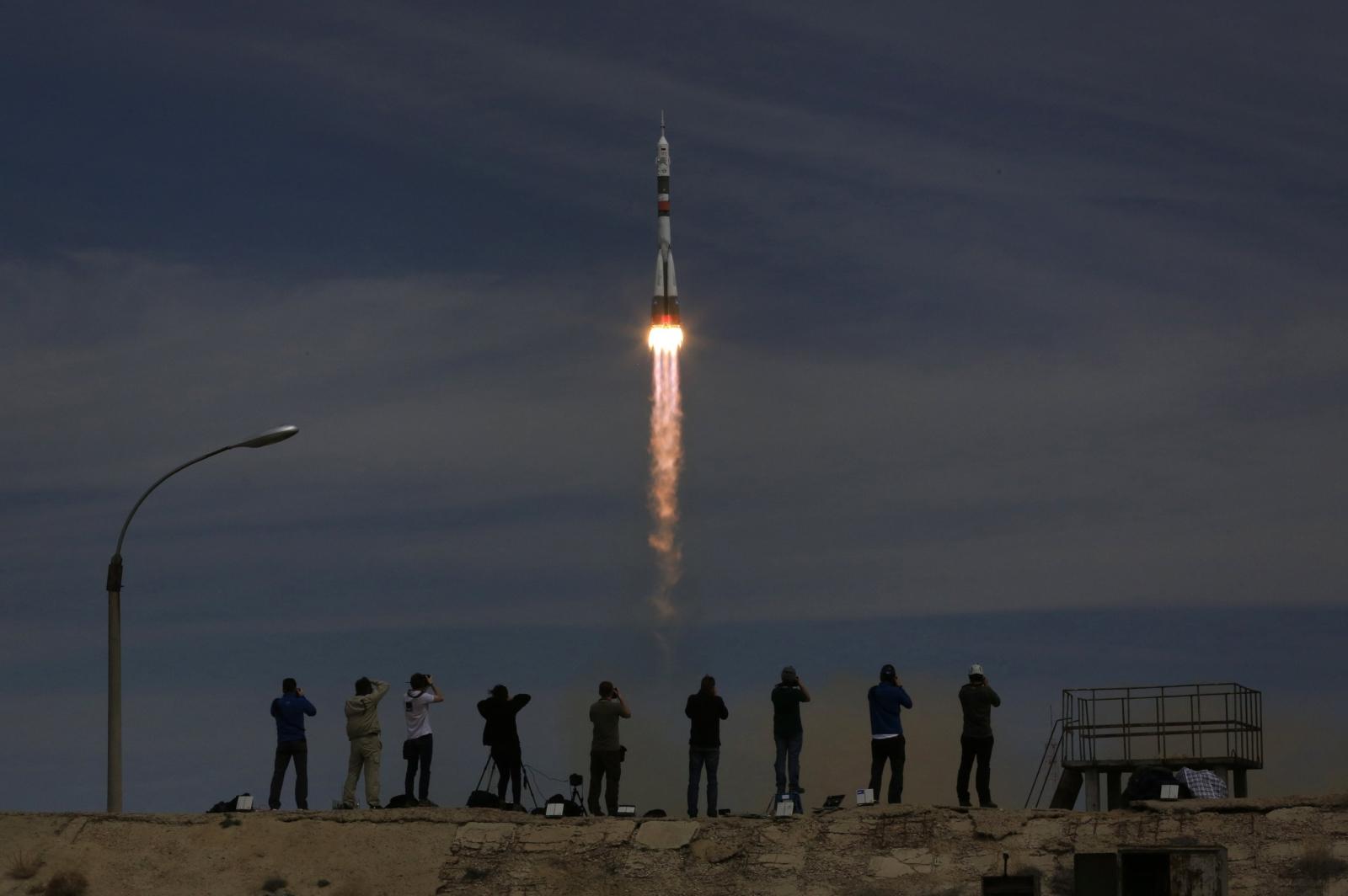 Kapsuła Sojuz z Rosjaninem i Amerykaninem wystartowała 20 kwietnia o 13:13 w Kazachstanie. Fot. PAP/EPA/SERGEI ILNITSKY