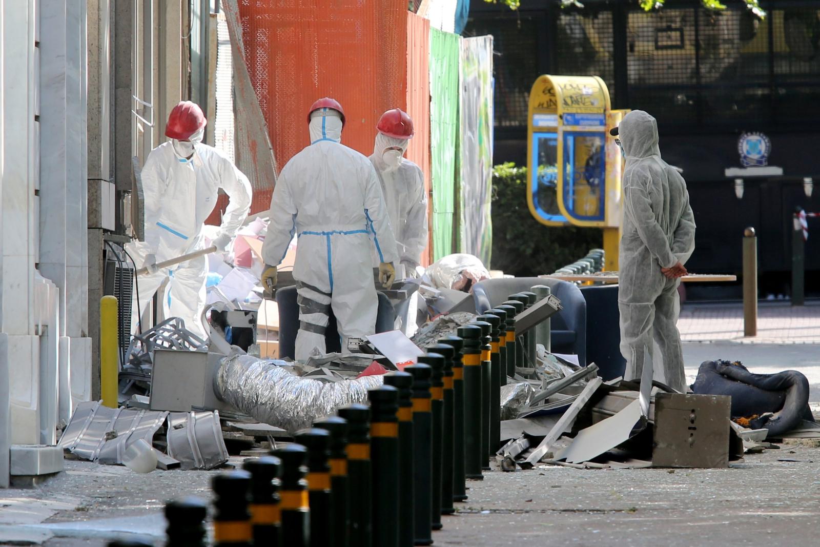 Wybuch bomby w Atenach, w Grecji. Fot. PAP/EPA/PANTELIS SAITAS