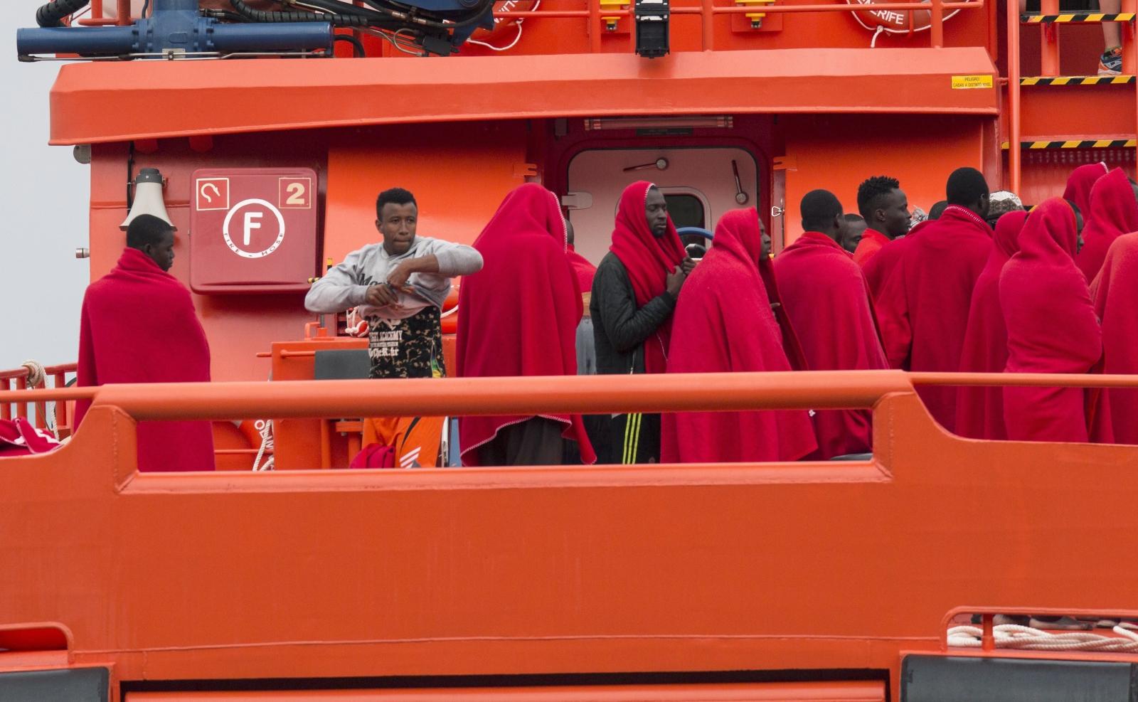 Hiszpańska Marynarka Ratunkowa uratkowała wraz z Czerwonym Krzyżem 32 subsaharysjkich migrantów.