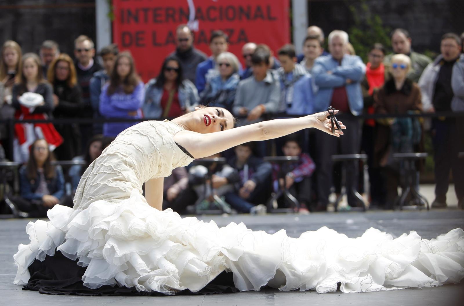 Międzynarodowy Dzień Tańća w Hiszpanii. Fot. PAP/EPA/Ruben Munoz
