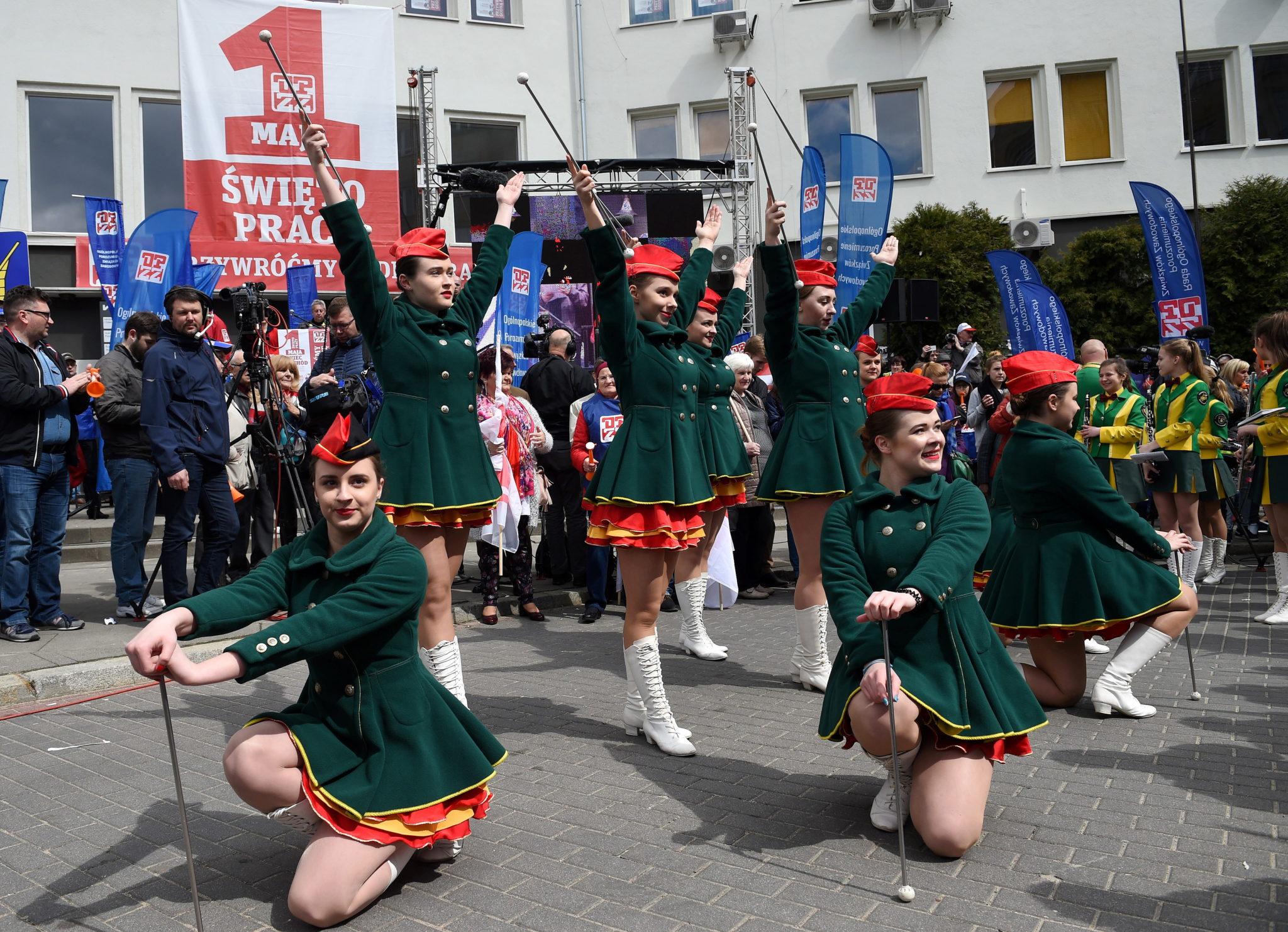 Polska: Święto Pracy w Warszawie (foto. PAP/Radek Pietruszka)
