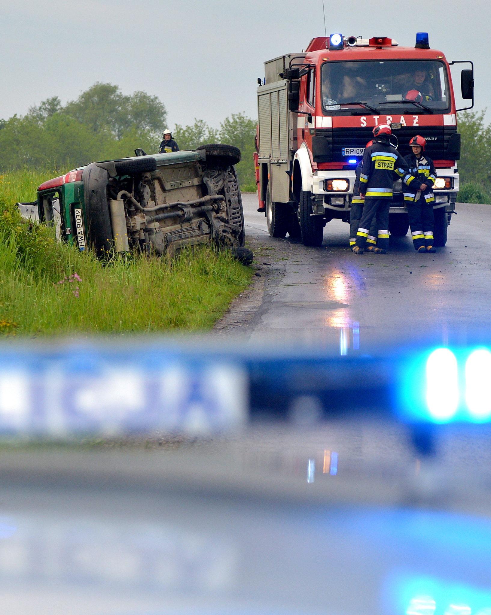 Polska: wypadek radiowozu Straży Granicznej w Kniażycach (foto. PAP/Darek Delmanowicz)