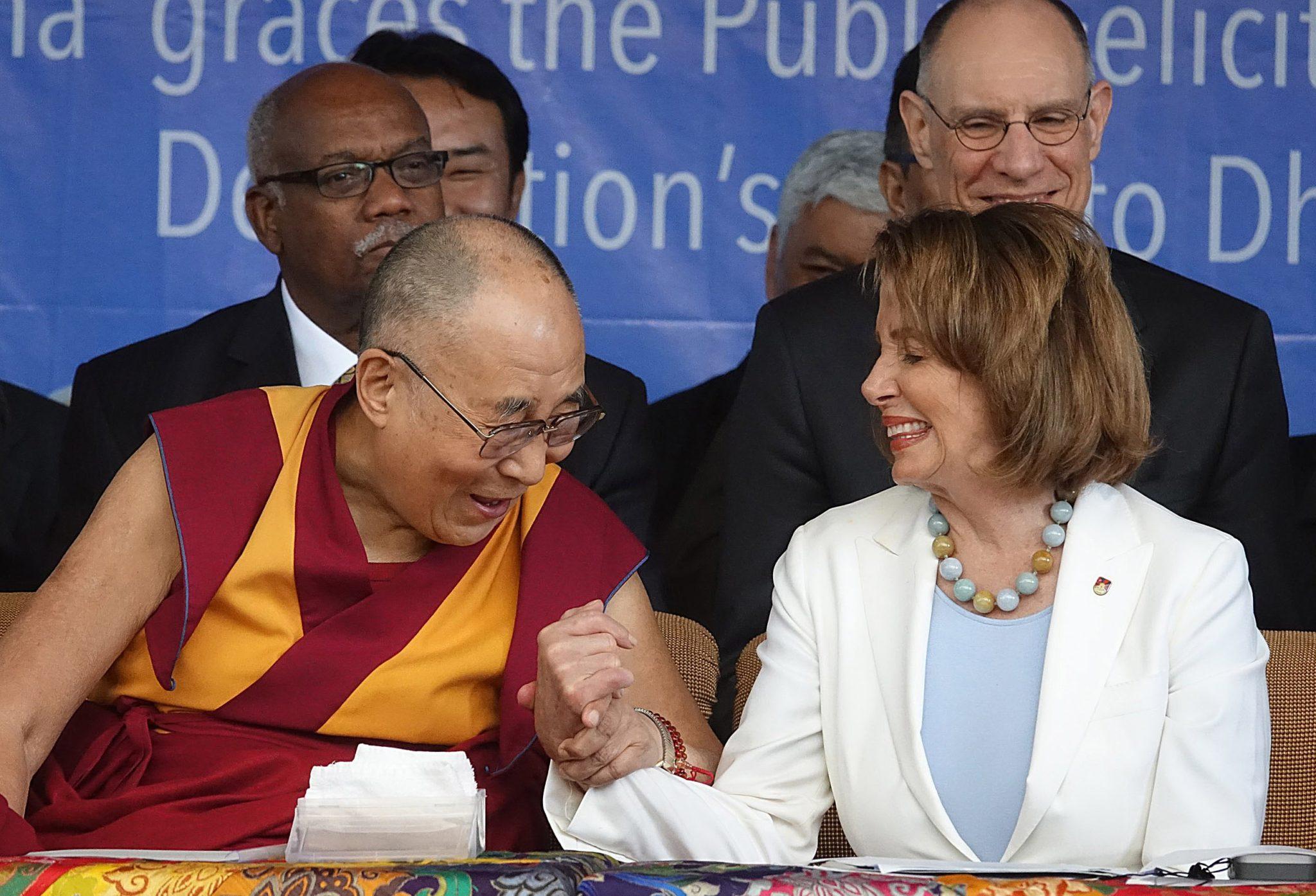 Indie: wizyty reprezentantów Kongresu USA w Dharmsali (foto. PAP/EPA/SANJAY BAID)