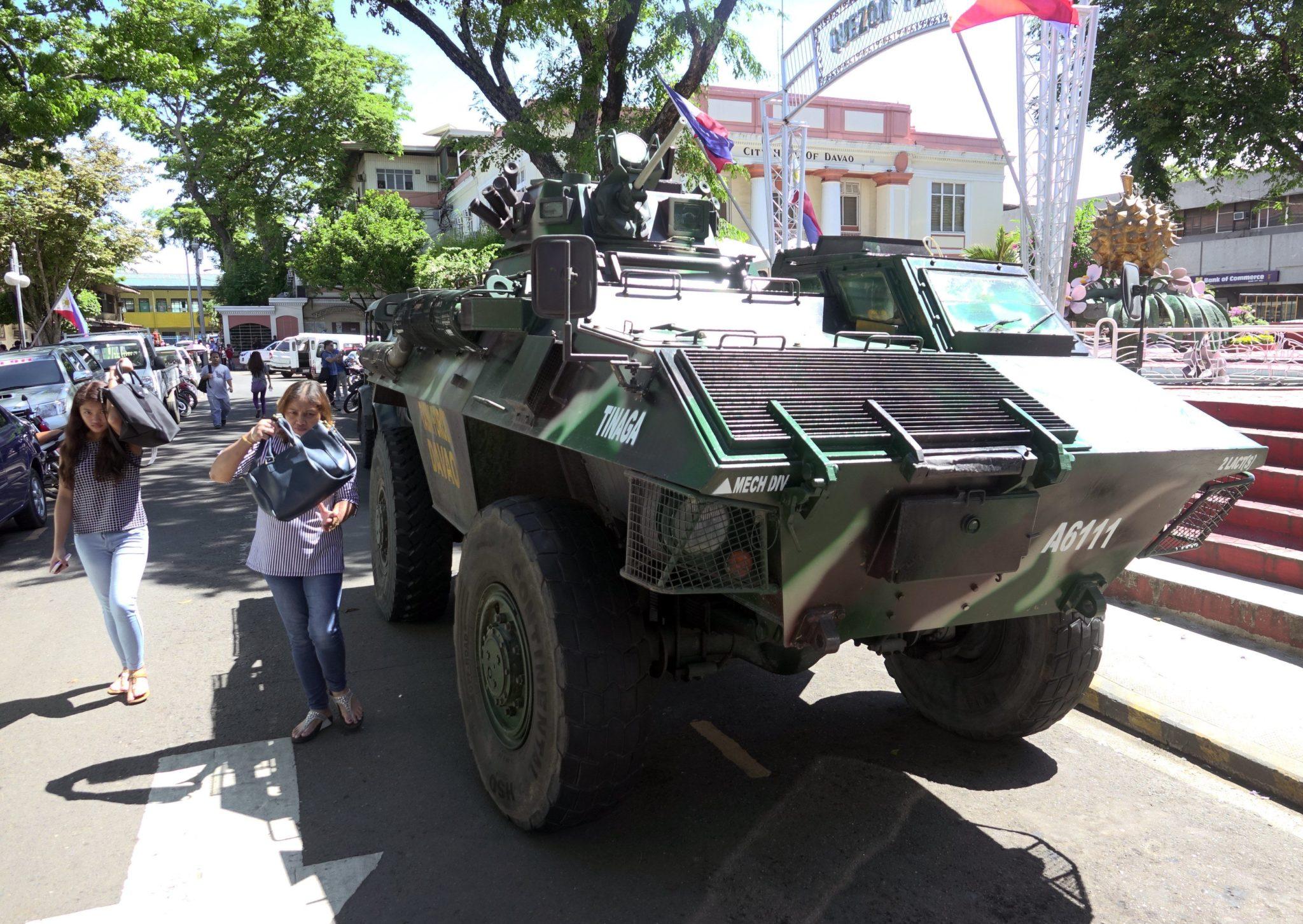 Filipiny: mobilizacja sił wojskowych w Davao City, w południowej części kraju (foto. PAP/EPA/CERILO EBRANO)