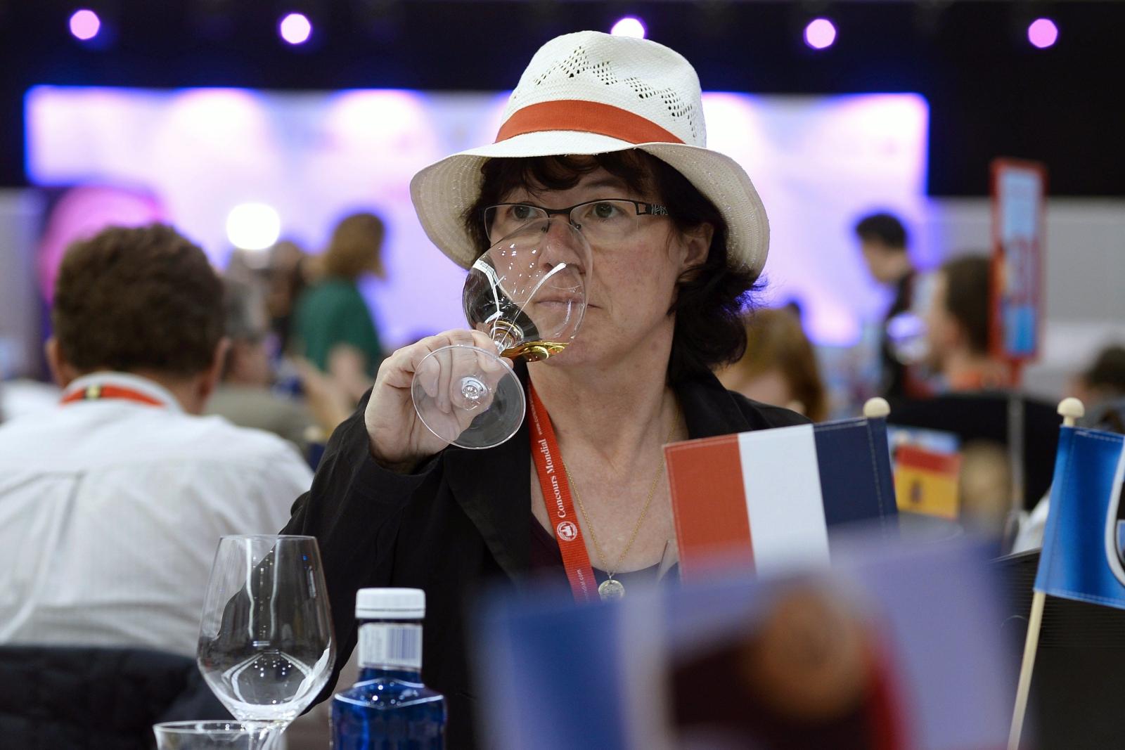 Światowy Konkurs Win Brukselskich w Hiszpanii. Fot. PAP/EPA/NACHO GALLEGO