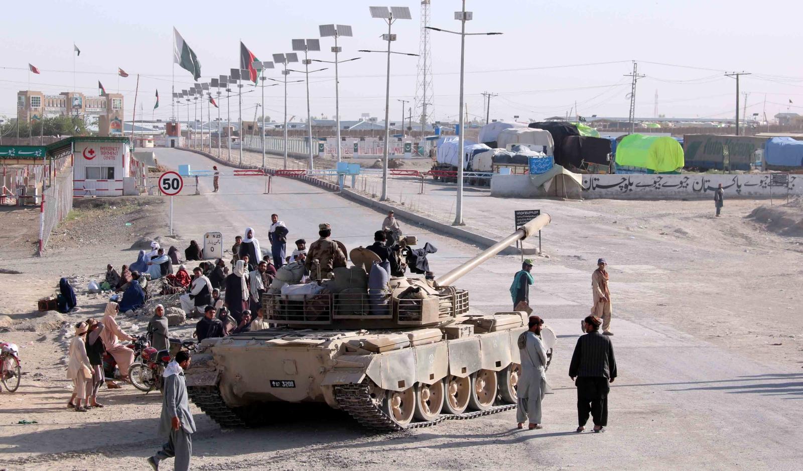 Granica pakistańsko-afgańska. fot. EPA/AKHTER GULFAM
