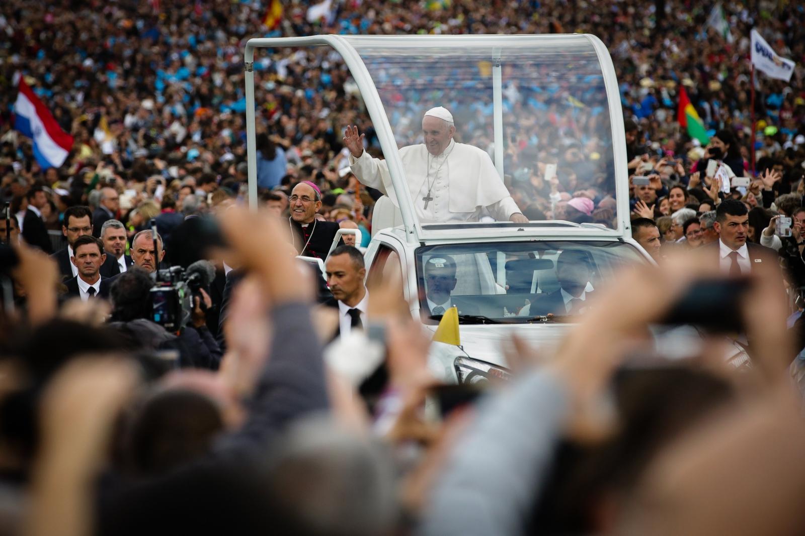 Papież Franciszek w Portugalii. fot. EPA/MÁRIO CRUZ