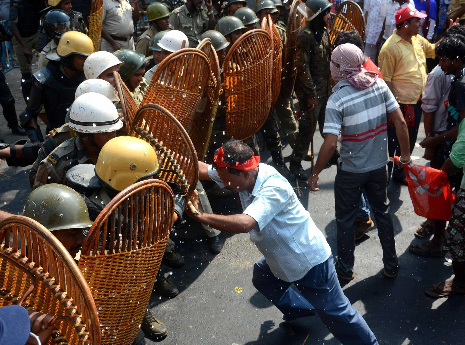 Protest lewicowych aktywistów z grona farmerów w Kalkucie, Indie