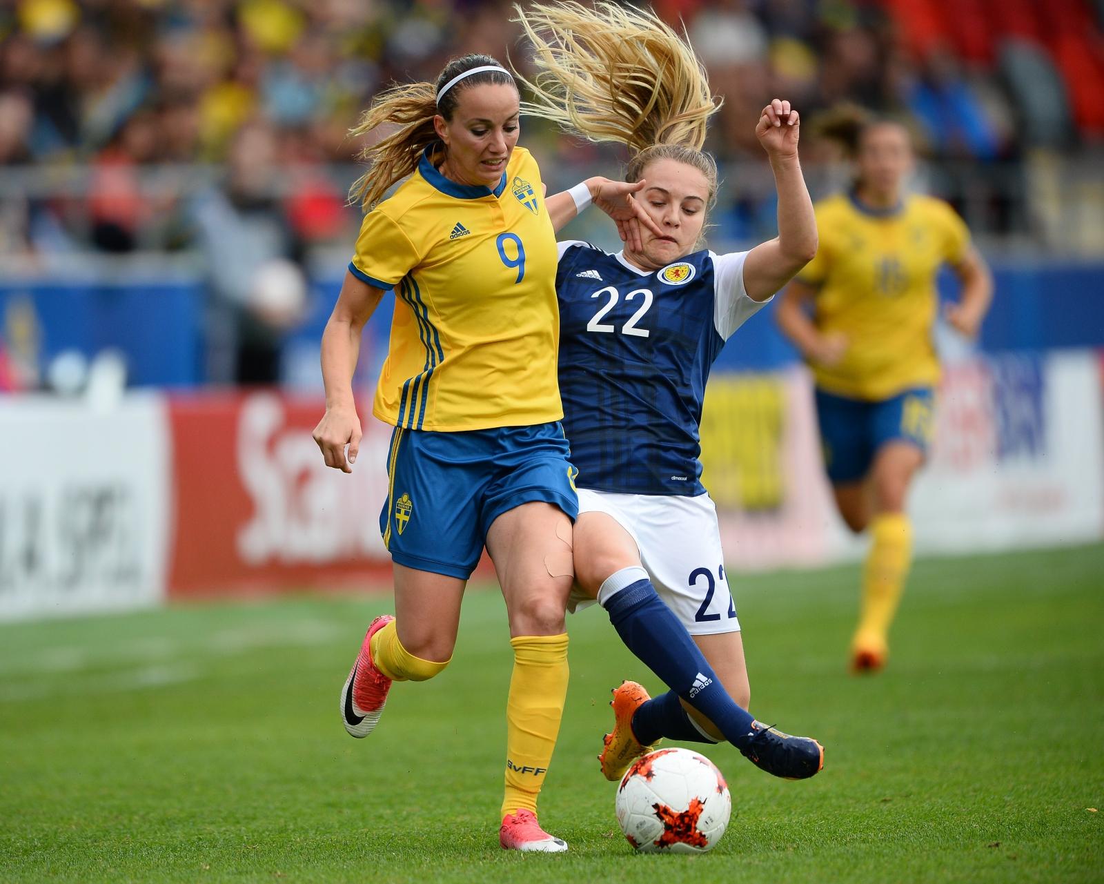 Mecz Szwecja - Szkocja - kobiecej piłki nożnej, w Vaxjo.