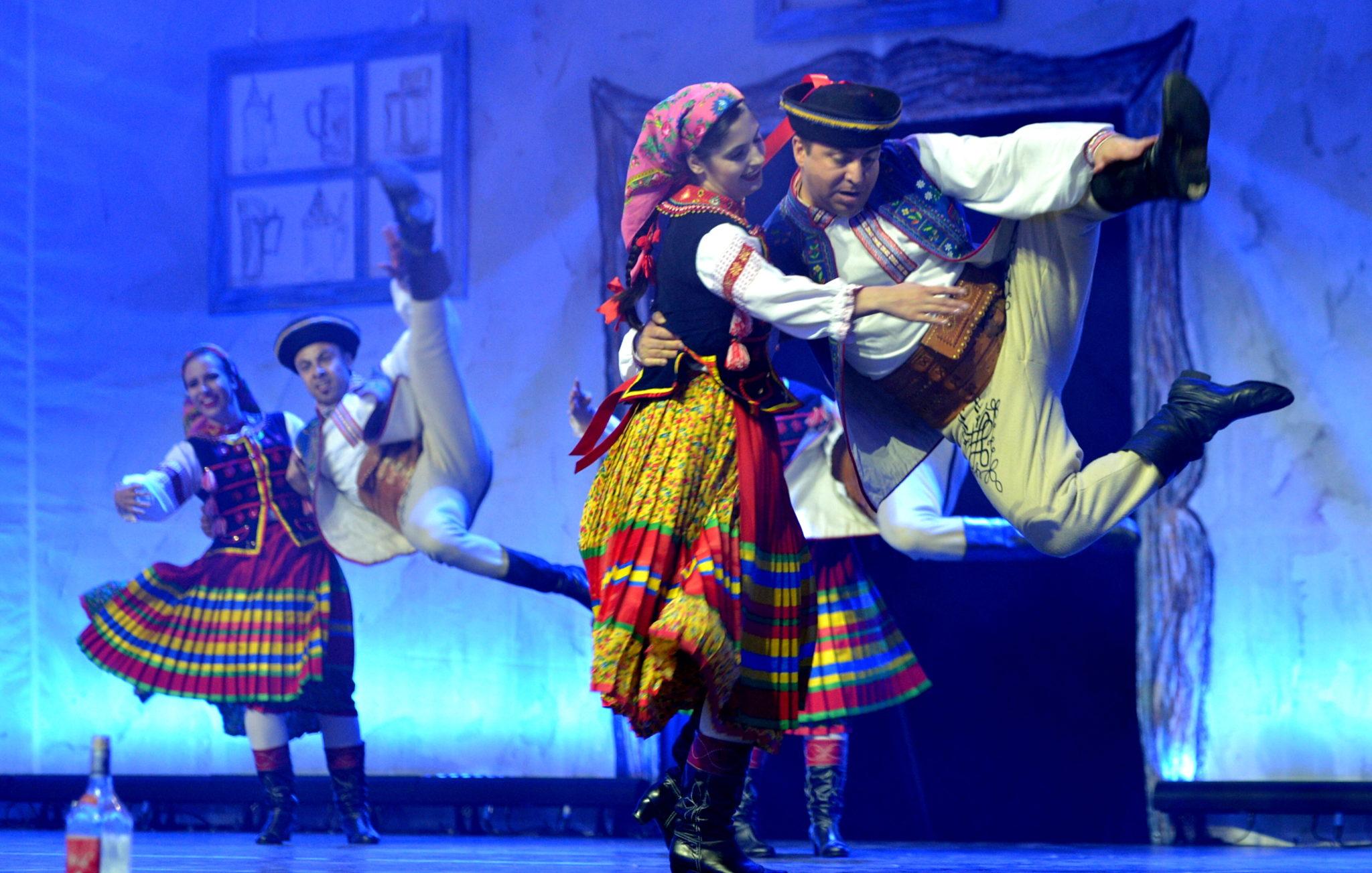 Rzeszów, XVII Światowy Festiwal Polonijnych Zespołów Folklorystycznych podczas koncertu galowego