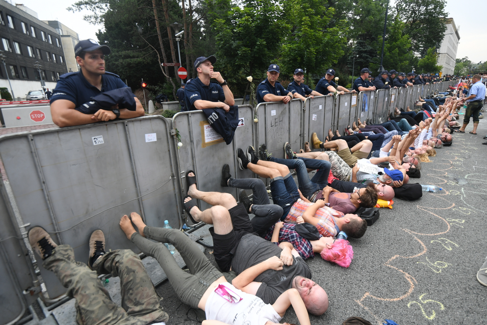 Protest przed sejmem, Warszawa