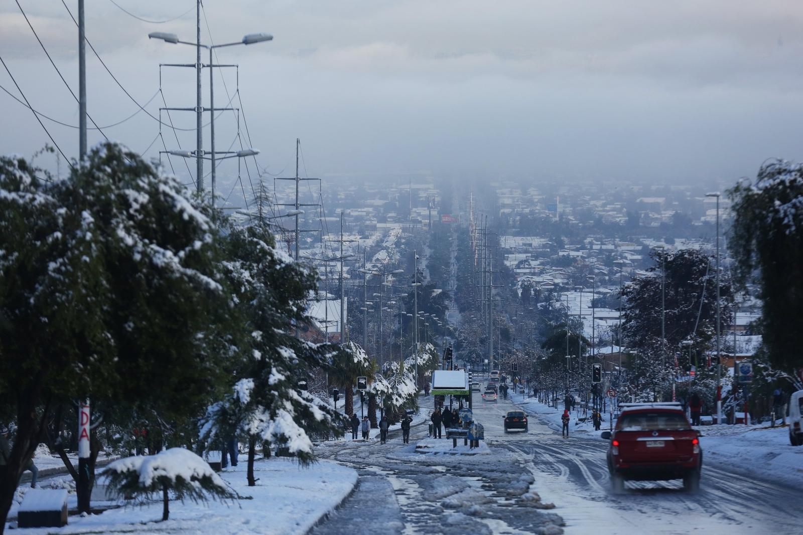 W Chile spadł śnieg. Fot. PAP/EPA/ELVIS GONZALEZ Dostawca: PAP/EPA.