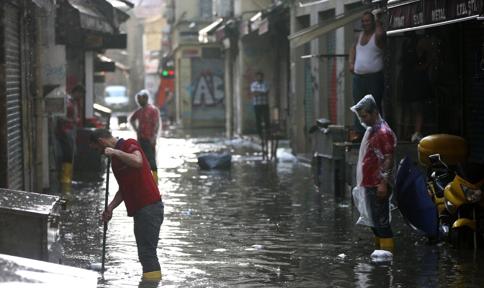 Powódź również w Istambule, Turcja