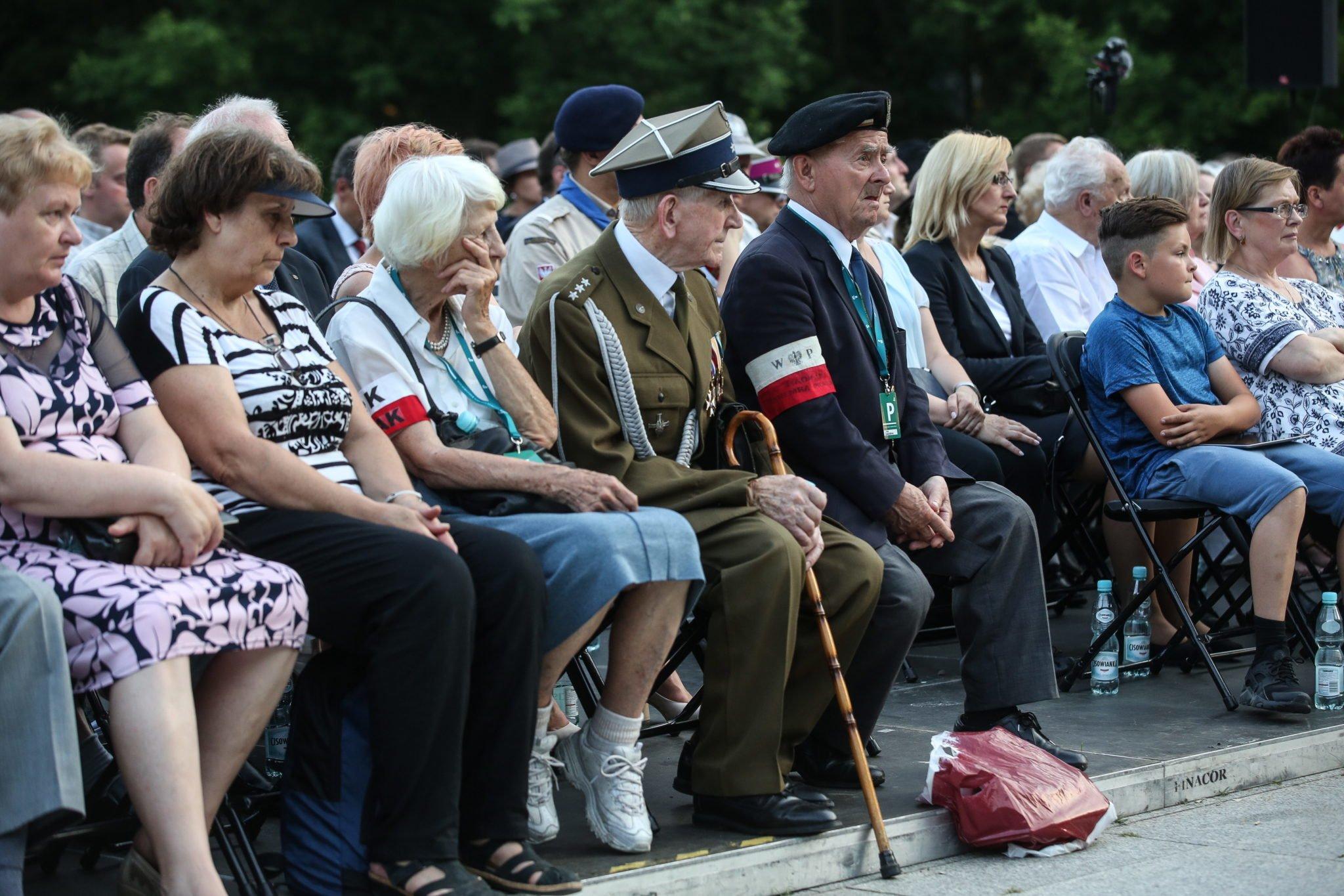 Cmentarz Powstańców Warszawy, fot: PAP/Rafał Guz