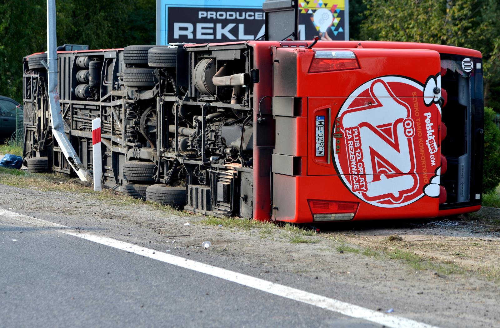 Nowa Dęba wypadek autokaru  PAP/Darek Delmanowicz