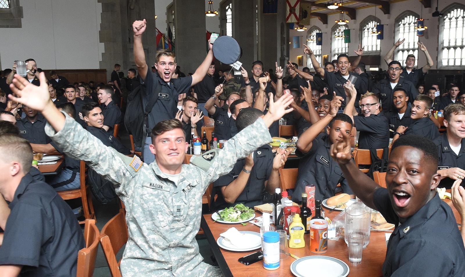 Reakcja studentów Akademii Wojskowej West Point na odwiedziny Prezydenta RP