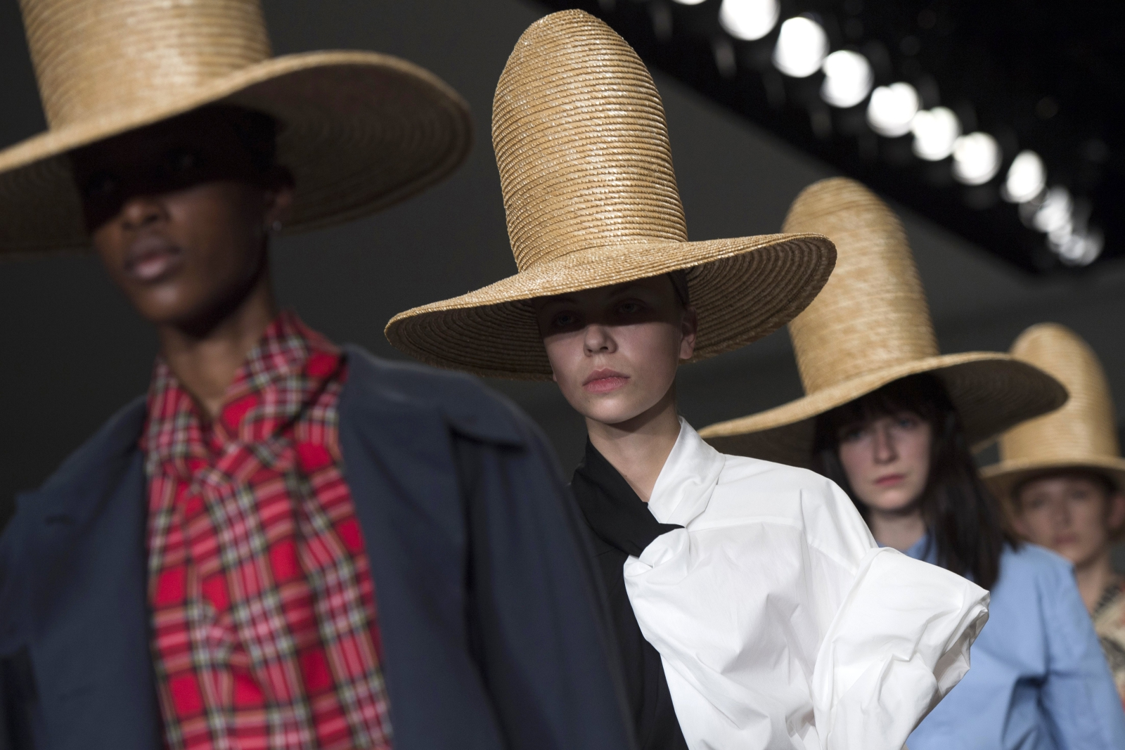 Fashion Week, in London EPA/WILL OLIVER