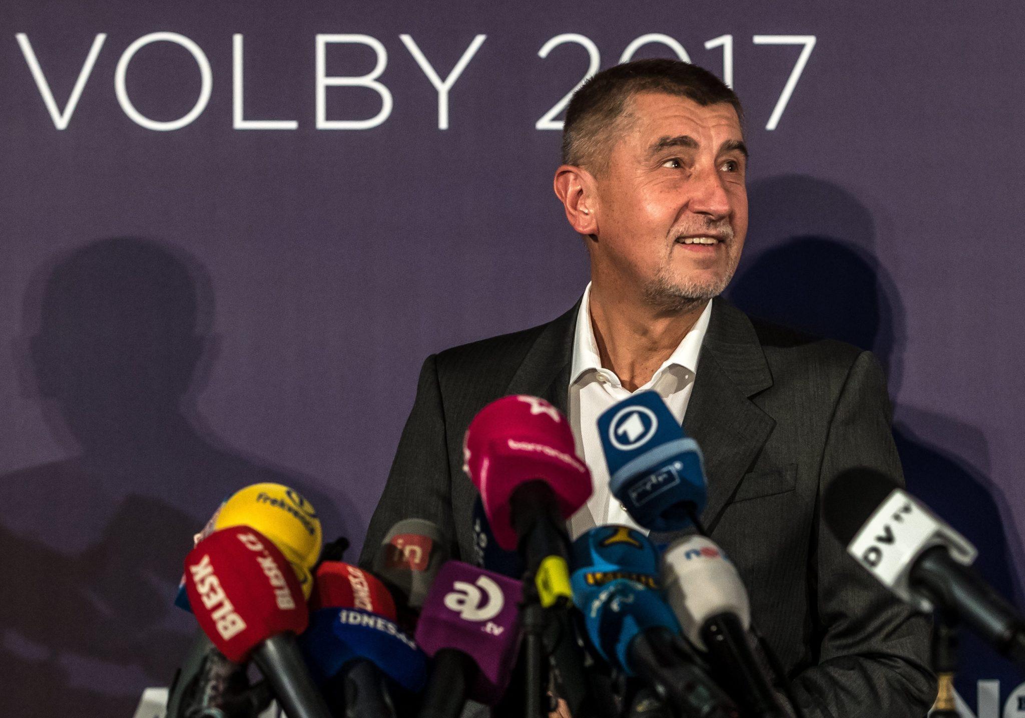 Praga, Czechy: Centroprawicowy ruch ANO wygrał wybory do czeskiej Izby Poselskiej, to partia miliardera słowackiego pochodzenia. Do niższej izby czeskiego parlamentu dostanie się dziewięć partii, fot: Martin Divisek, PAP/EPA