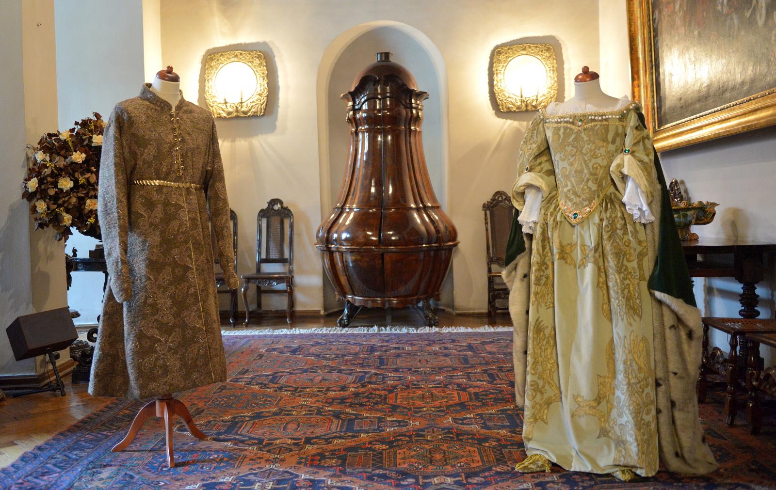 Rekonstrukcje XVII-wiecznych strojów, noszonych przez króla Jana III Sobieskiego w Łańcucie, Polska