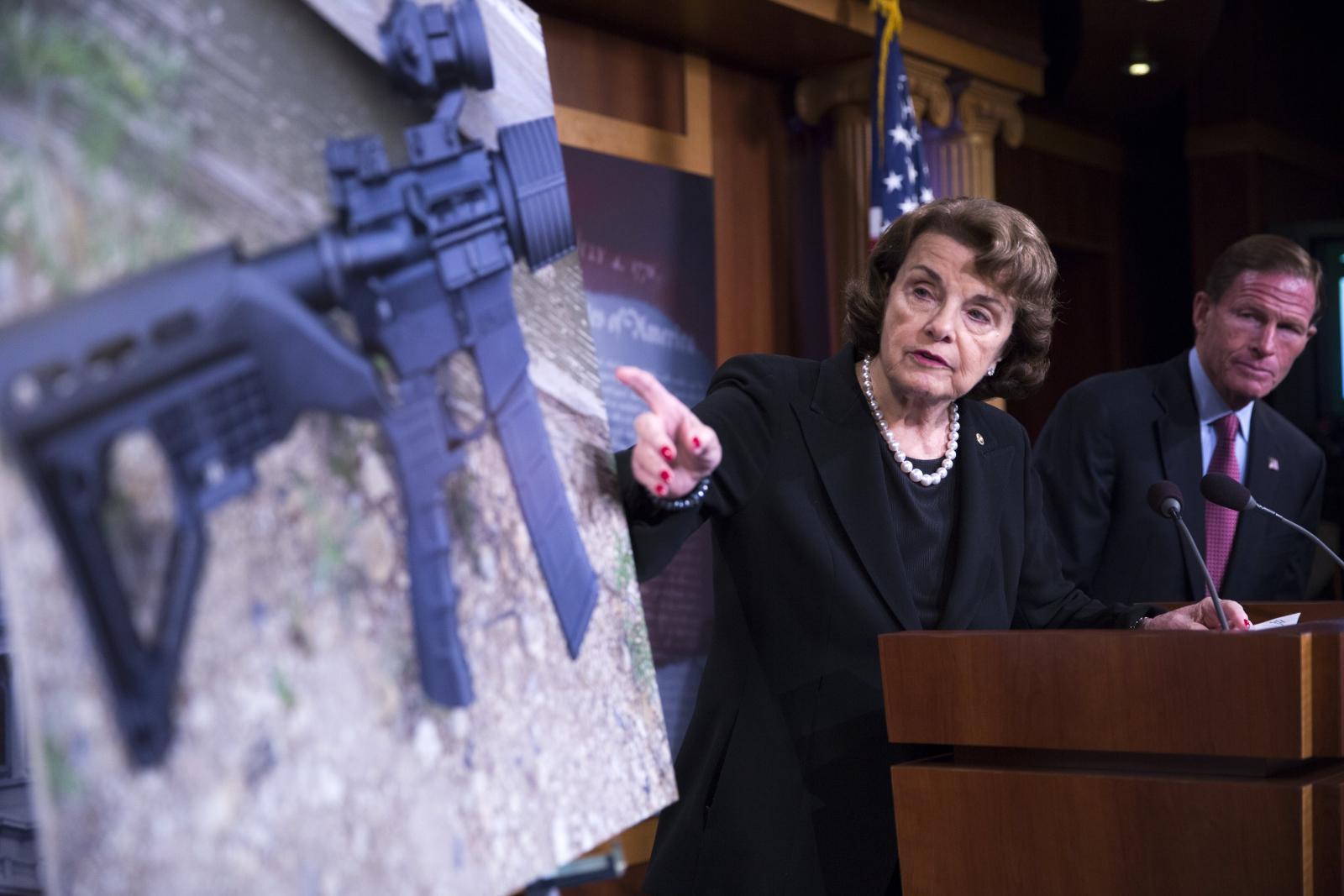 Demokratyczna senator z Kalifornii Diane Feinstein mówi o potrzebie ograniczenia dostępu do broni.