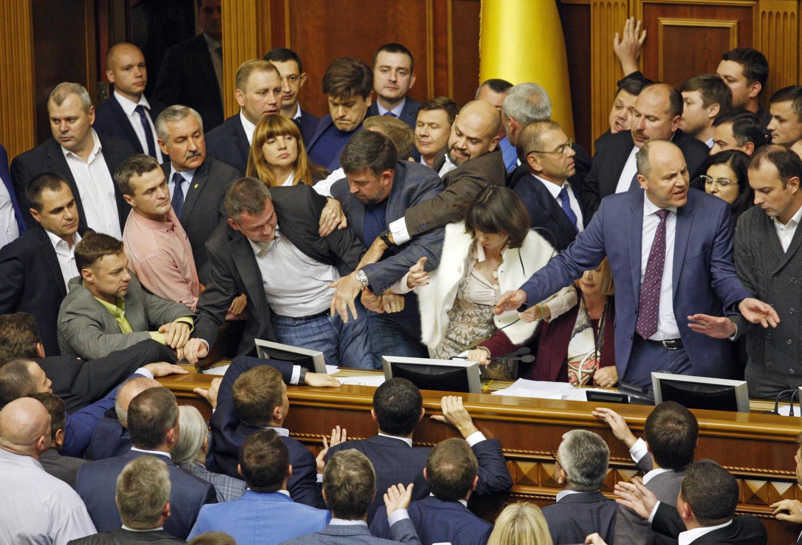 Bijatyka w ukraińskim parlamencie, Kijów, Ukraina.