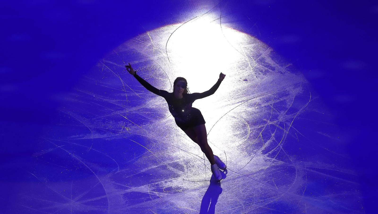 Włoska łyżwiarka figurowa Carolina Kostner w czasie Grand Prix w Moskwie.