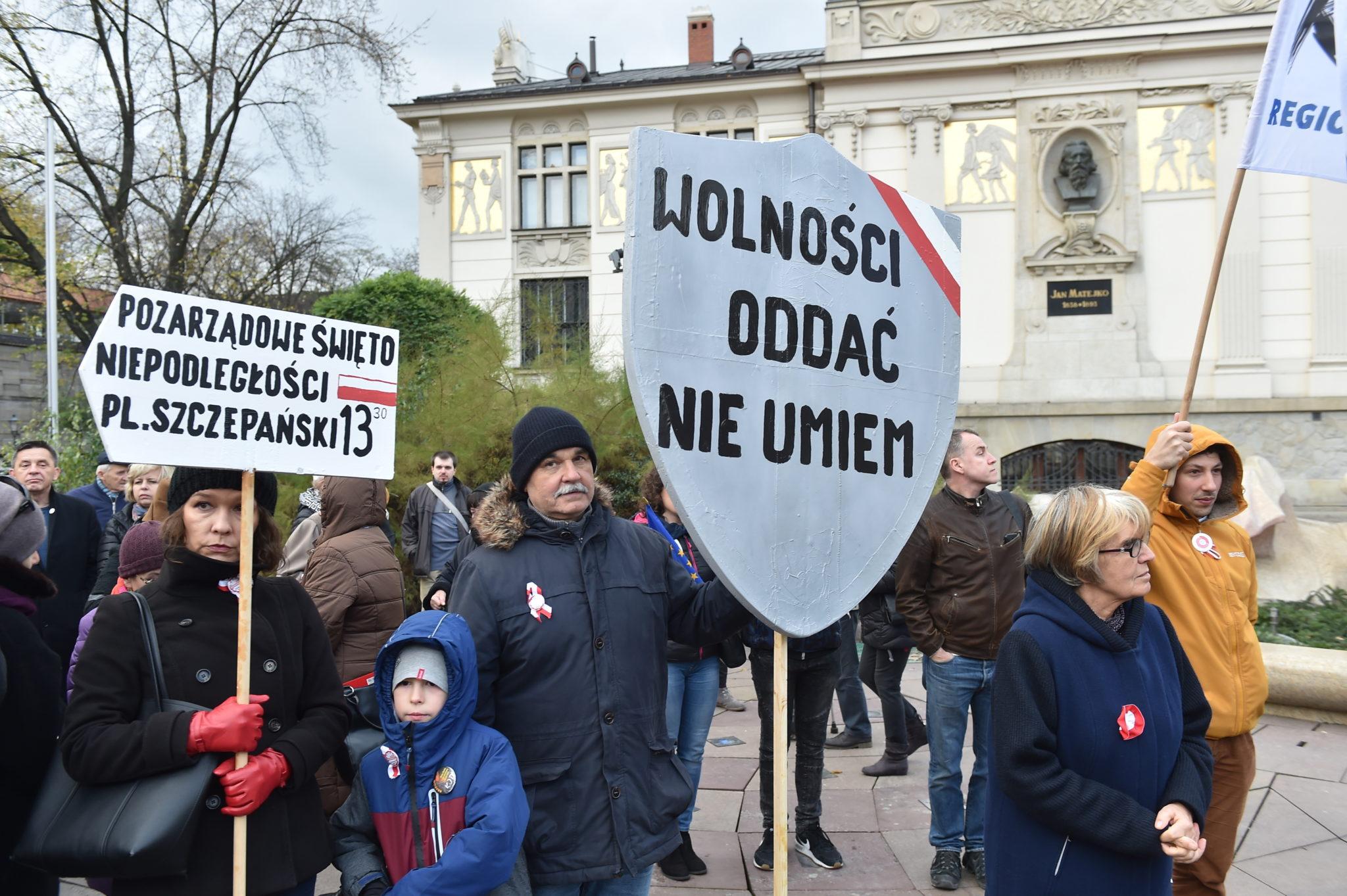 Demonstracja Komitetu Obrony Demokracji pod hasłem