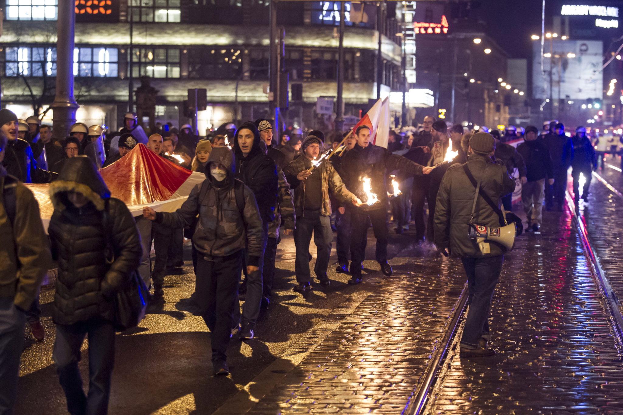Marsz Patriotów, zorganizowany przez Narodowe Odrodzenie Polski, przeszedł ulicami Wrocławia, fot: PAP/Aleksander Koźmiński