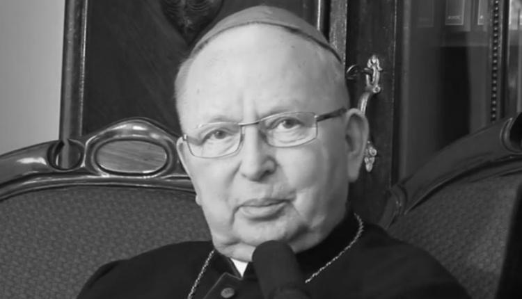 13.09. - Biskup senior diecezji kieleckiej Kazimierz Ryczan. Był ordynariuszem diecezji w latach 1993-2014.
