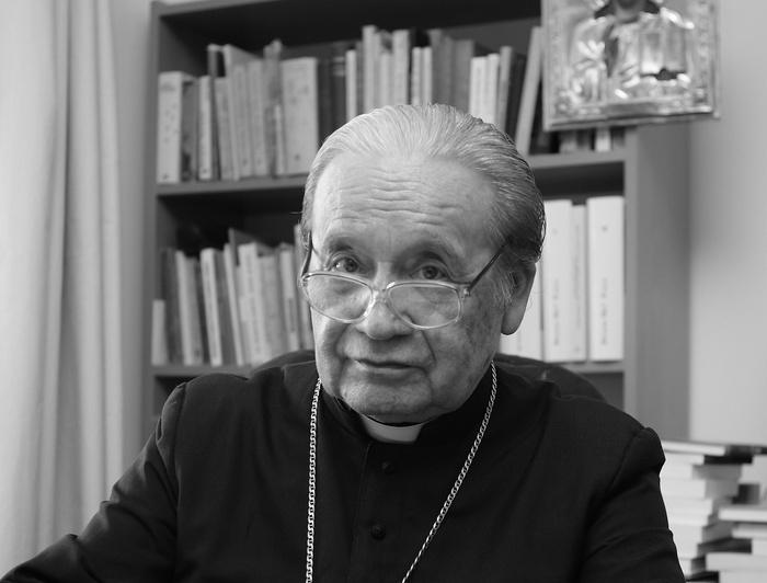 07.10. - Biskup Wacław Świerzawski, ordynariusz diecezji sandomierskiej w latach 1992–2002.
