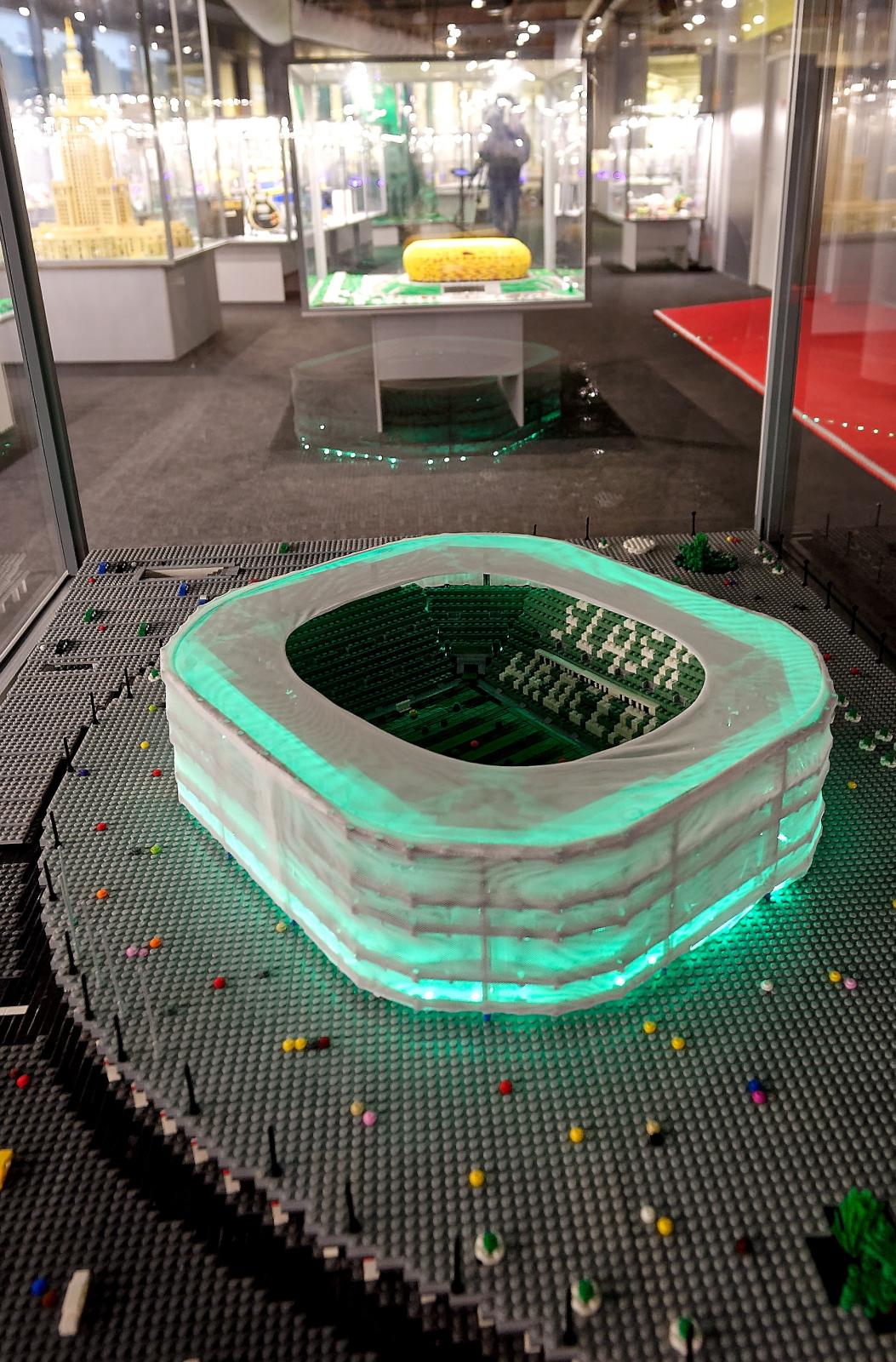 Stadion Wrocław na wystawie budowli z klocków Lego, którą otwarto na Stadionie Wrocław.