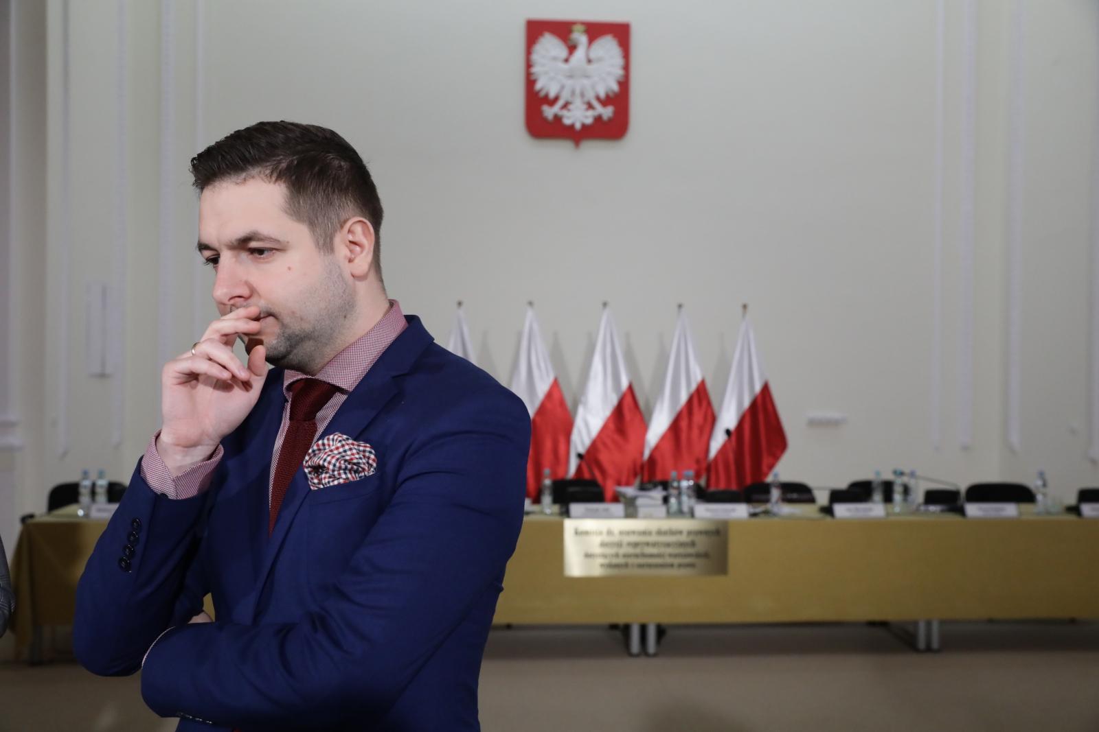 Przewodniczący Patryk Jaki po posiedzeniu komisji weryfikacyjnej ds. reprywatyzacji.