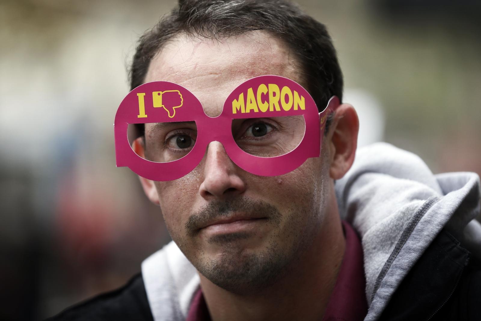 W Paryżu trwają protesty przeciwko obecnemu rządowi Francji.