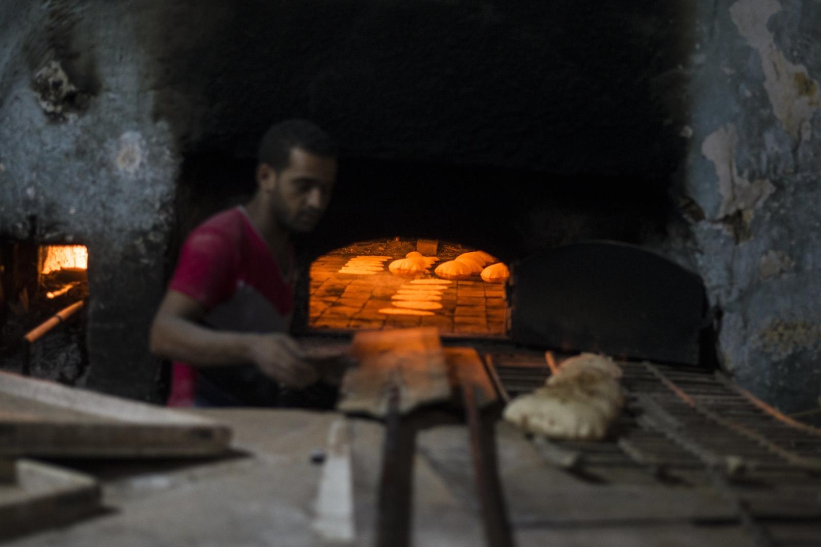 Piekarnia w Kairze. fot. EPA/MOHAMED HOSSAM