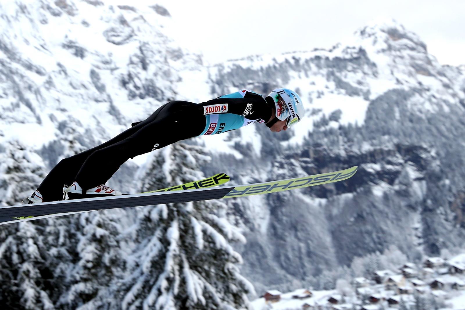 Szwajcaria, Engelberg. Kamil Stoch podczas treningu. fot. AP/Grzegorz Momot